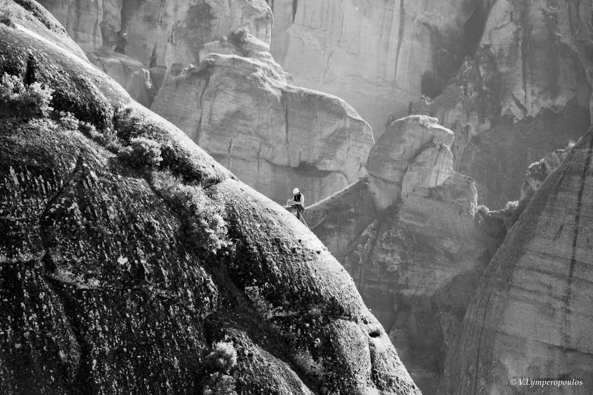 Climbing B/W by VL.P