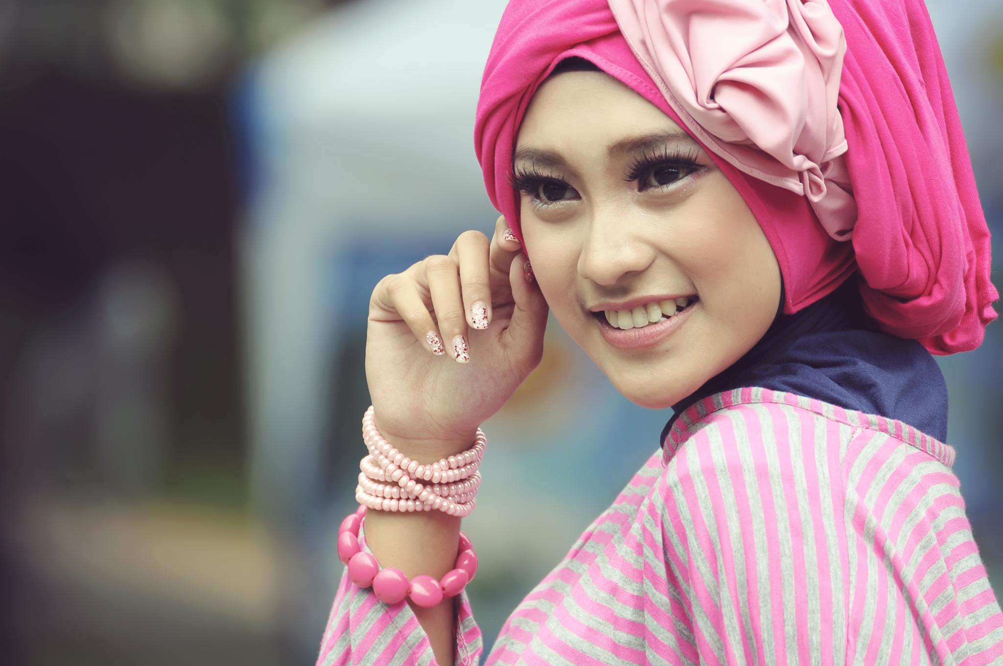 Keep Smile . by Dudy GR's