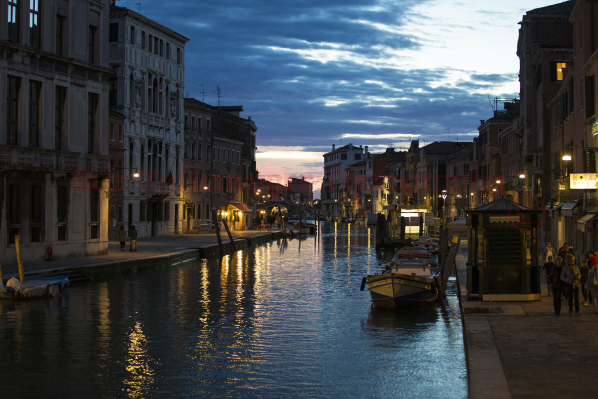 Evening in Venice - Canal by robphot