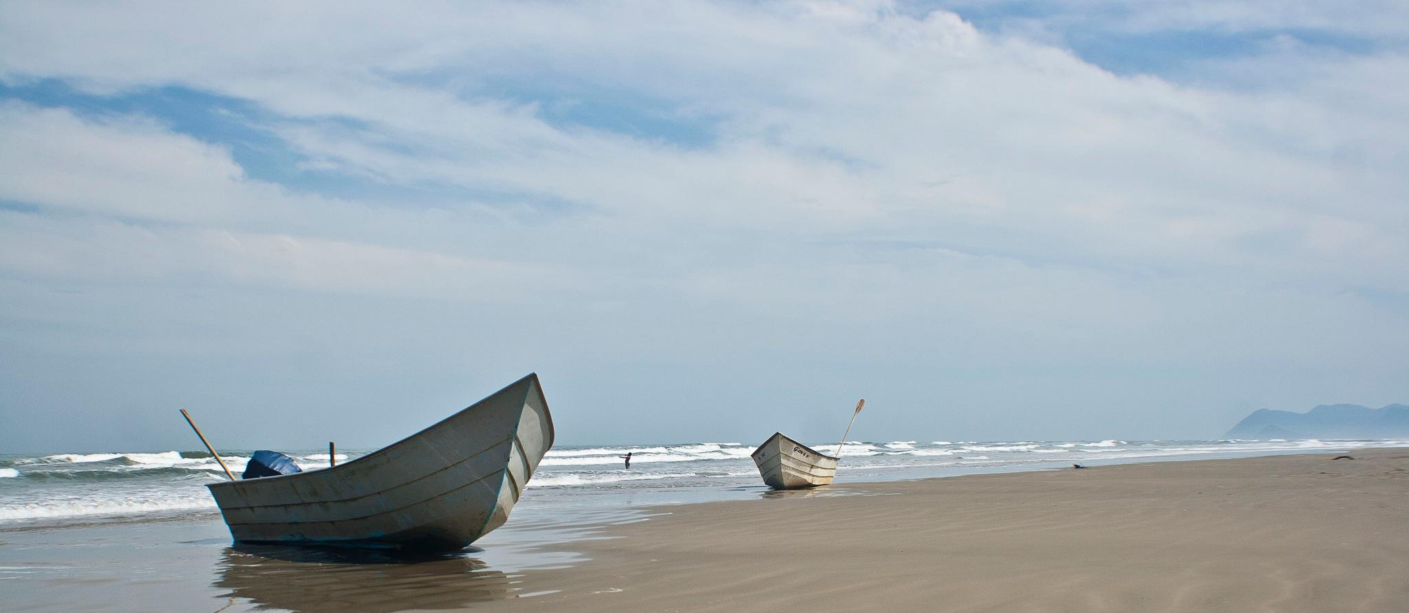 Praia by Alexandre Rossi Gurgel