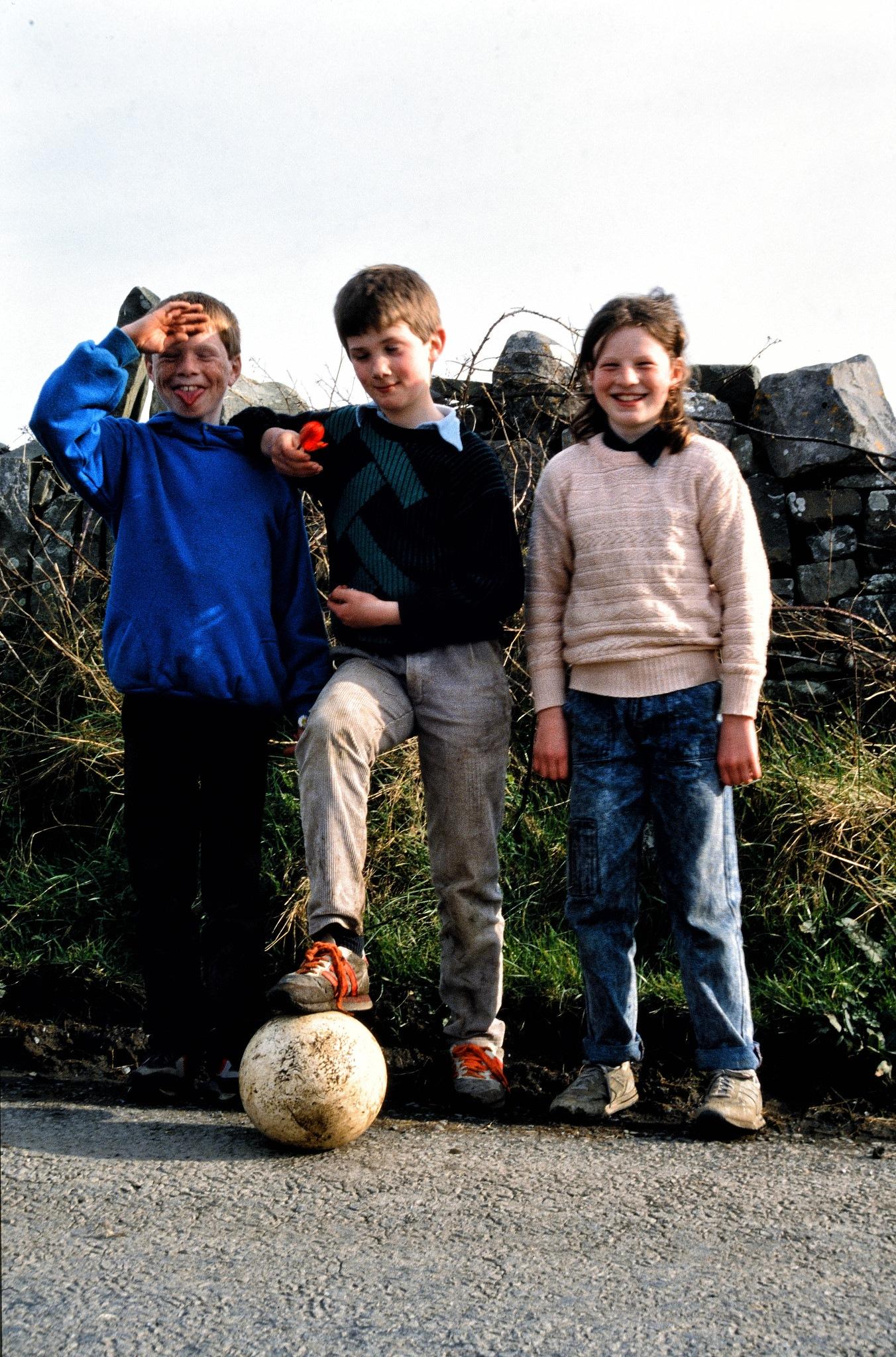 Three Irish kids (1980ies) by Frank Fremerey