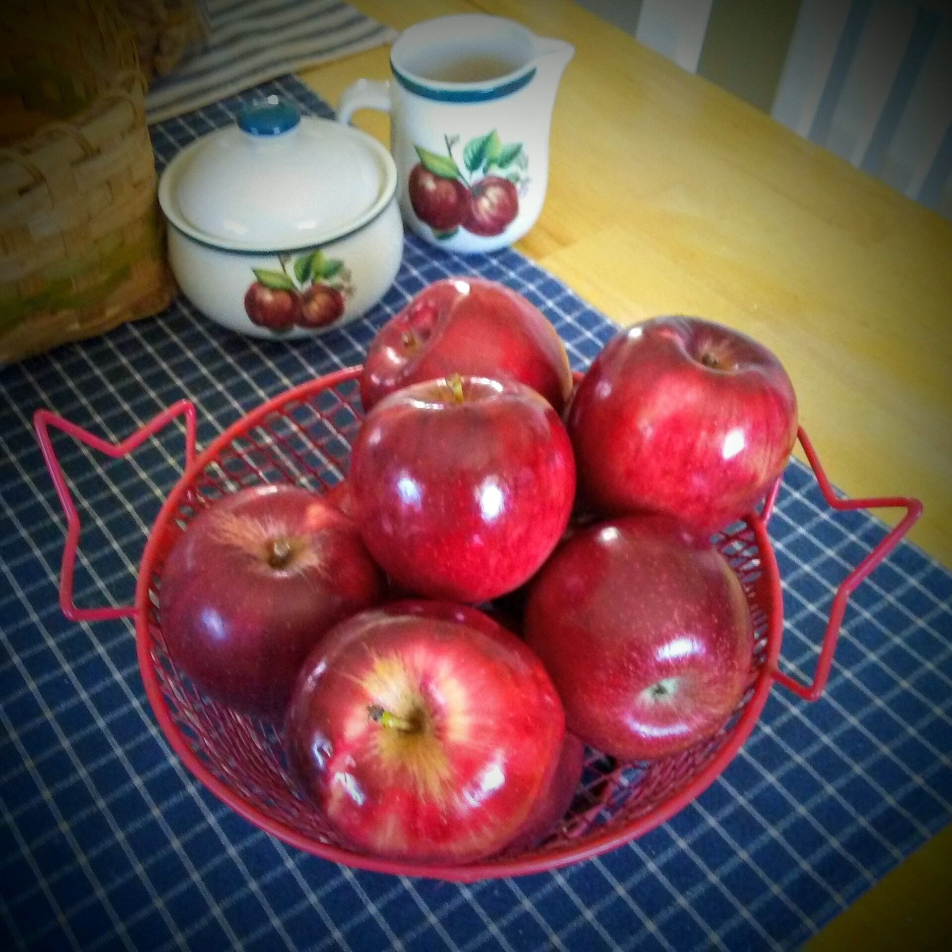 Apple Still life by Tammy Dyer