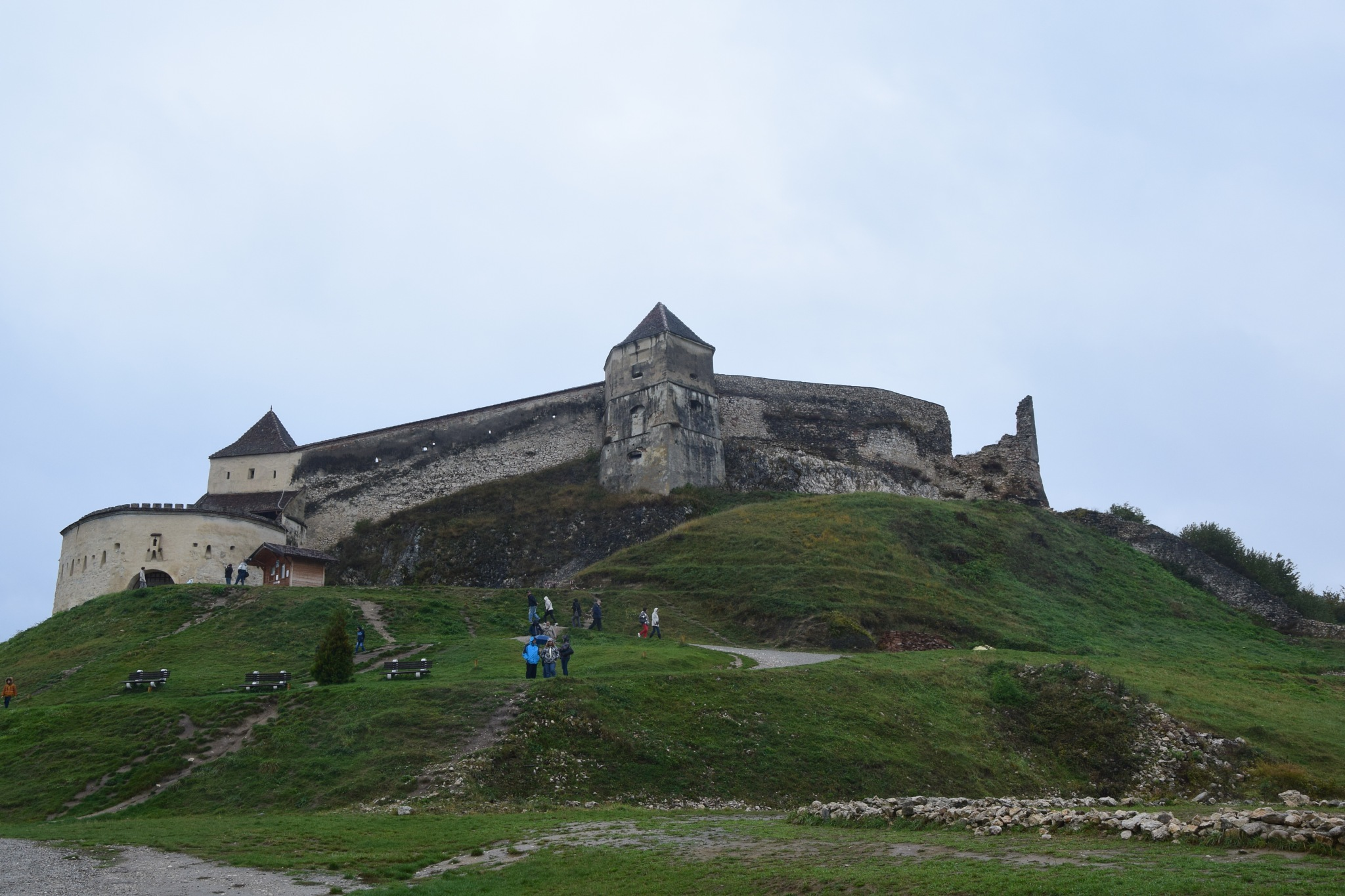 Rasnov Fortress by GraemeLeePollard