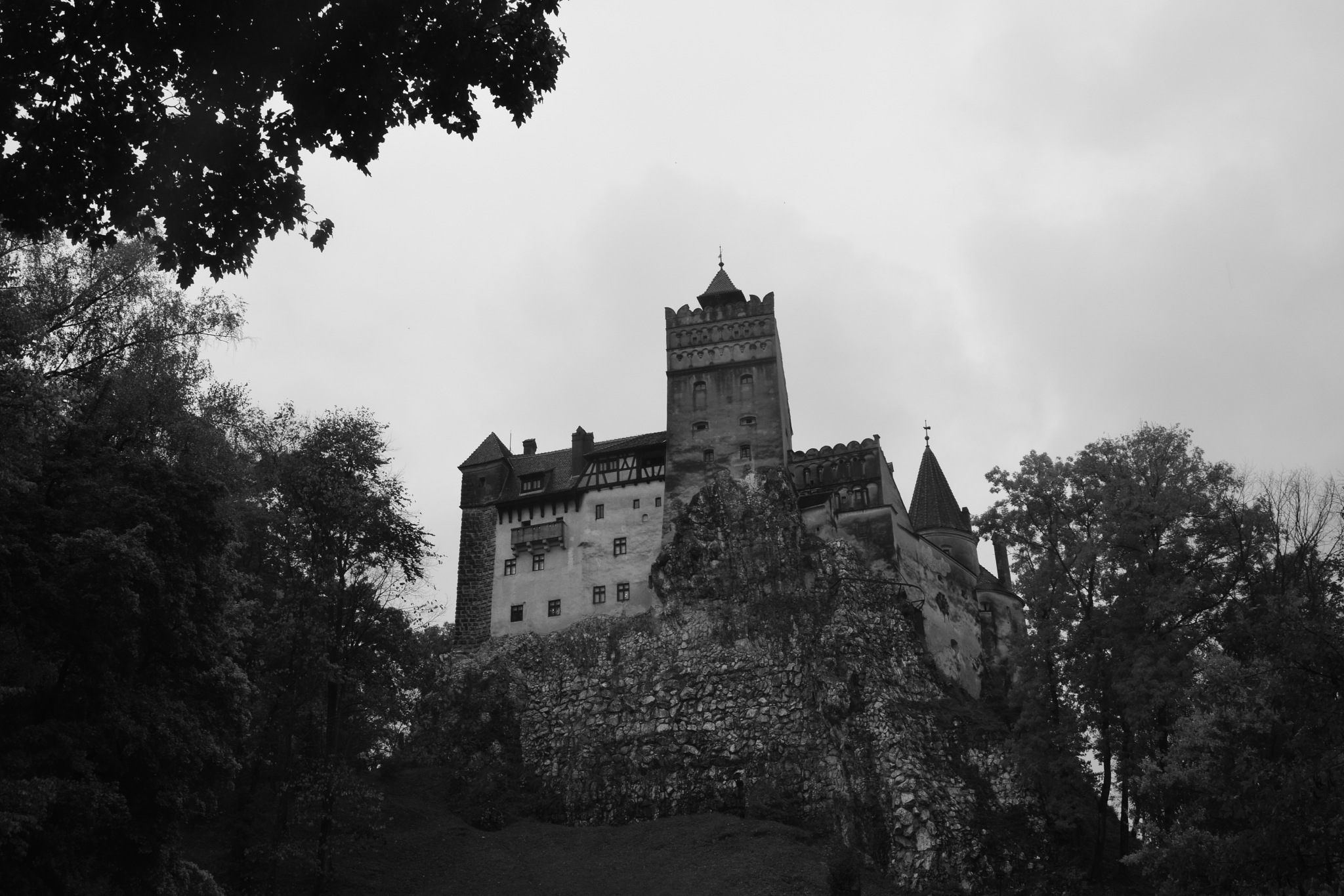 Bran Castle  by GraemeLeePollard