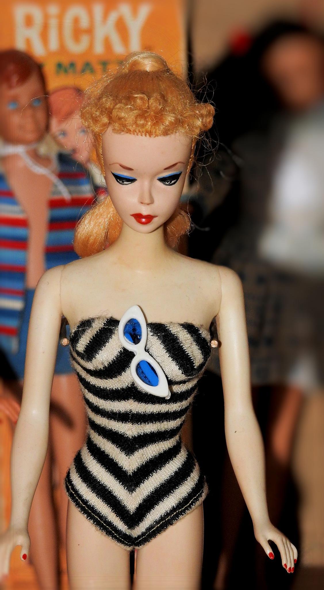 NAPOLI - STORIE DI GIOCATTOLI DAL SETTECENTO A BARBIE - Happy Day, Barbie's Family! - 2 by Arnaldo De Lisio