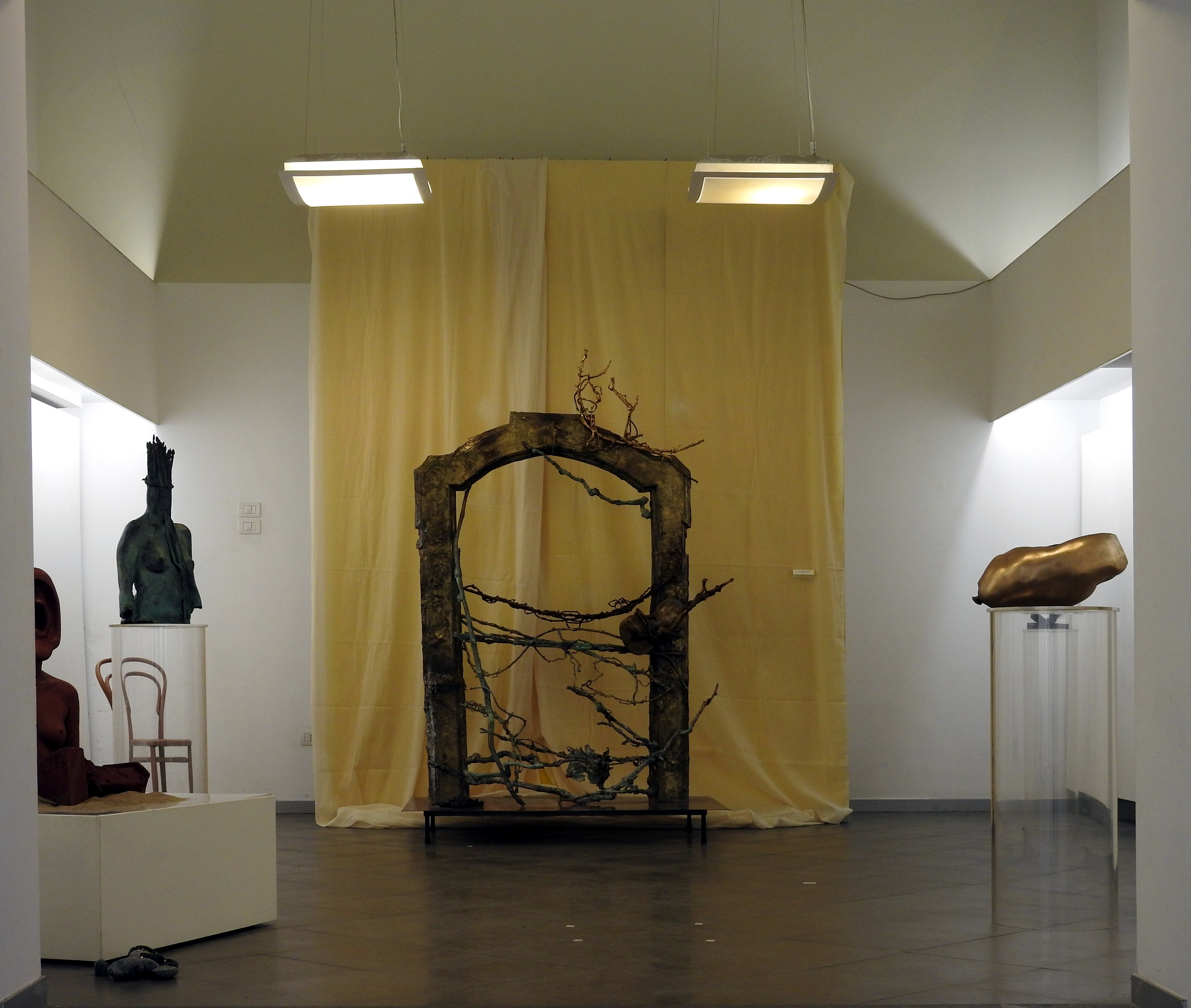P.A.N. Napoli - Aulo Pedicini - La Porta del Sogno - 2002 - 1c           by Arnaldo De Lisio