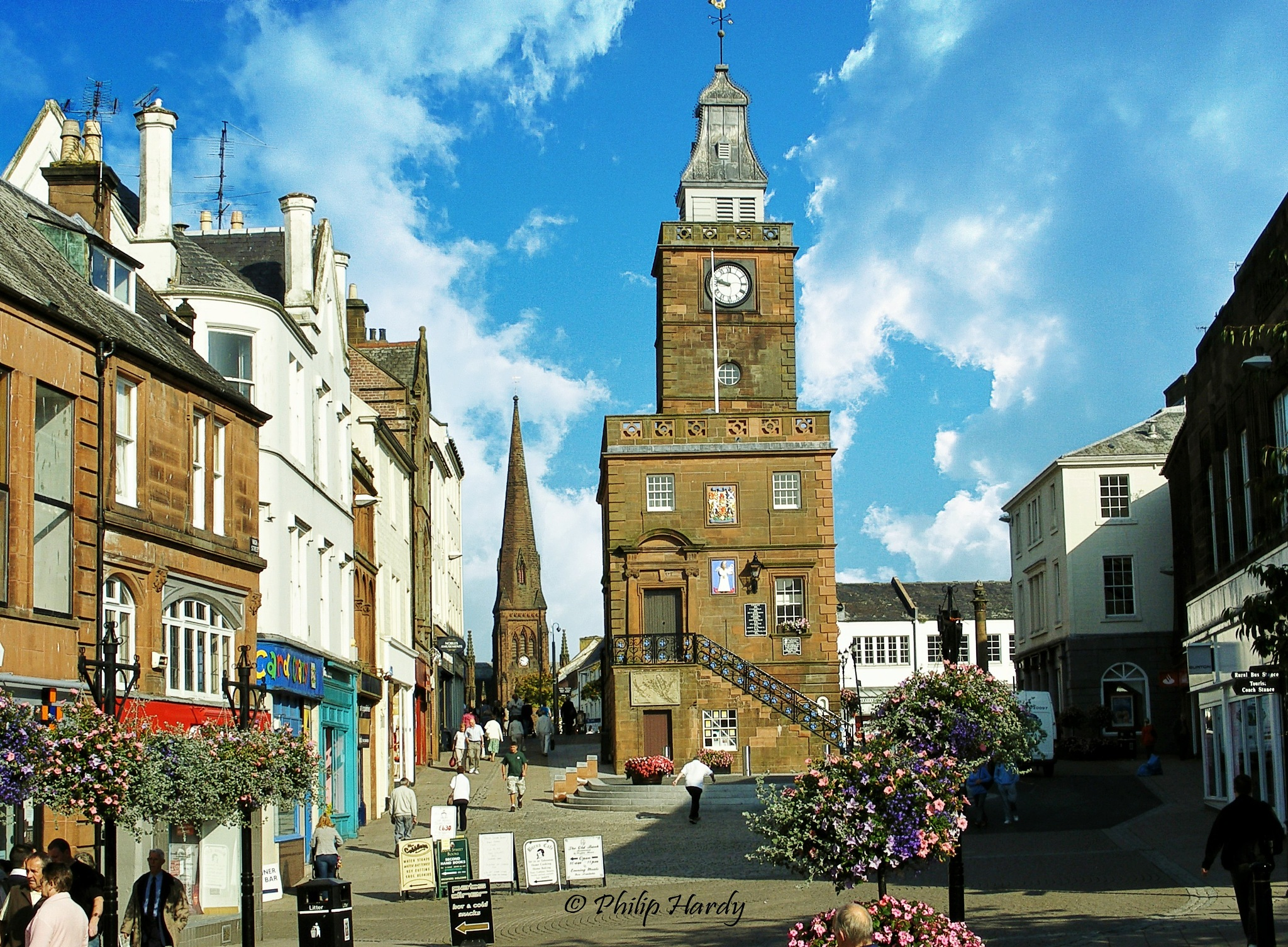 Dumfries Town centre  by Philip Hardy