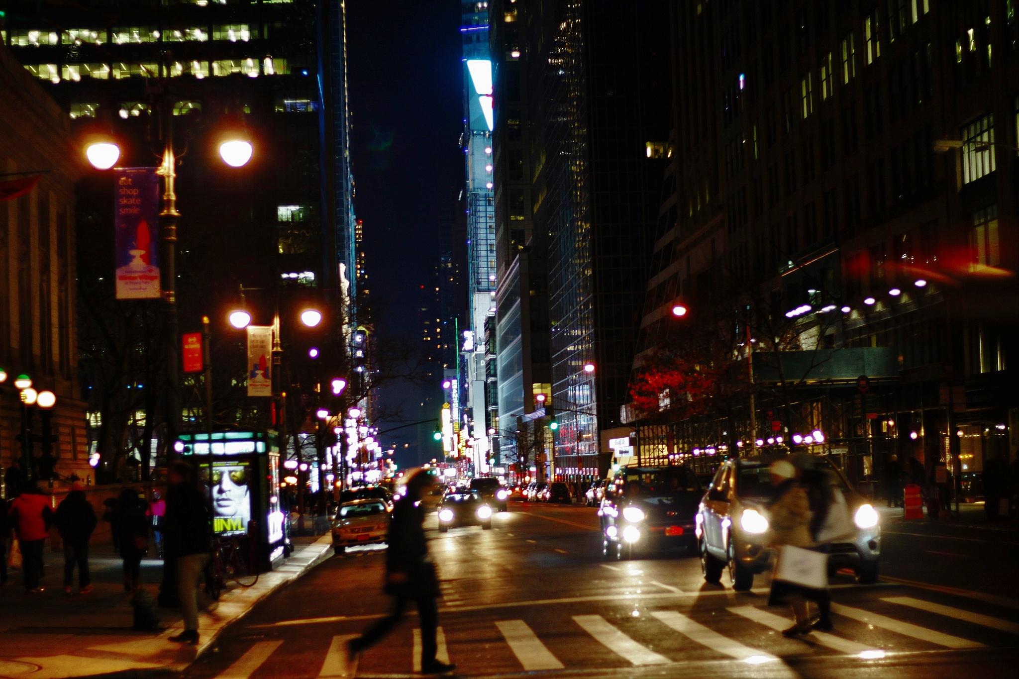 Manhattan at night, by Liborio Drogo