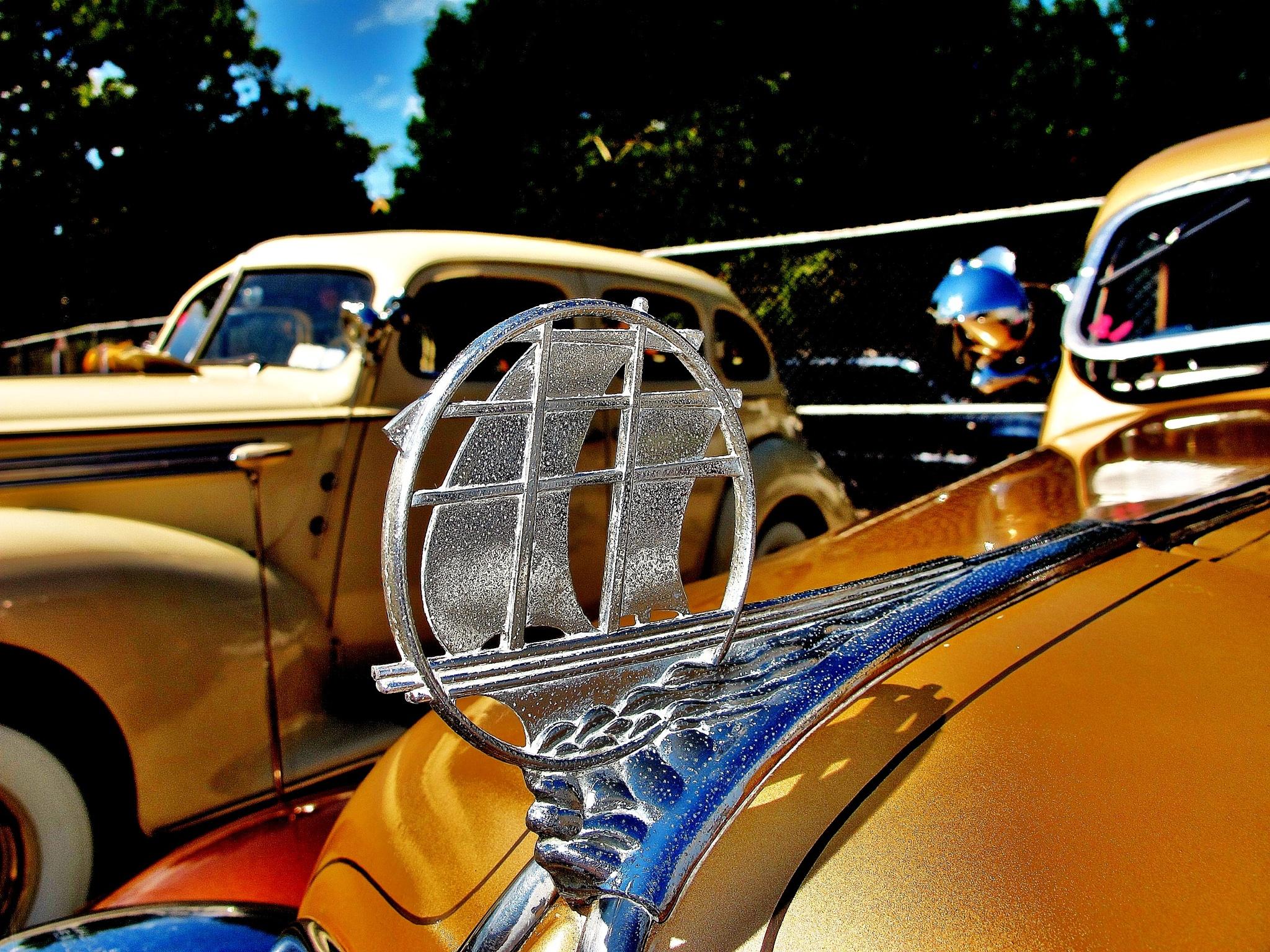 Retro Car, by Liborio Drogo