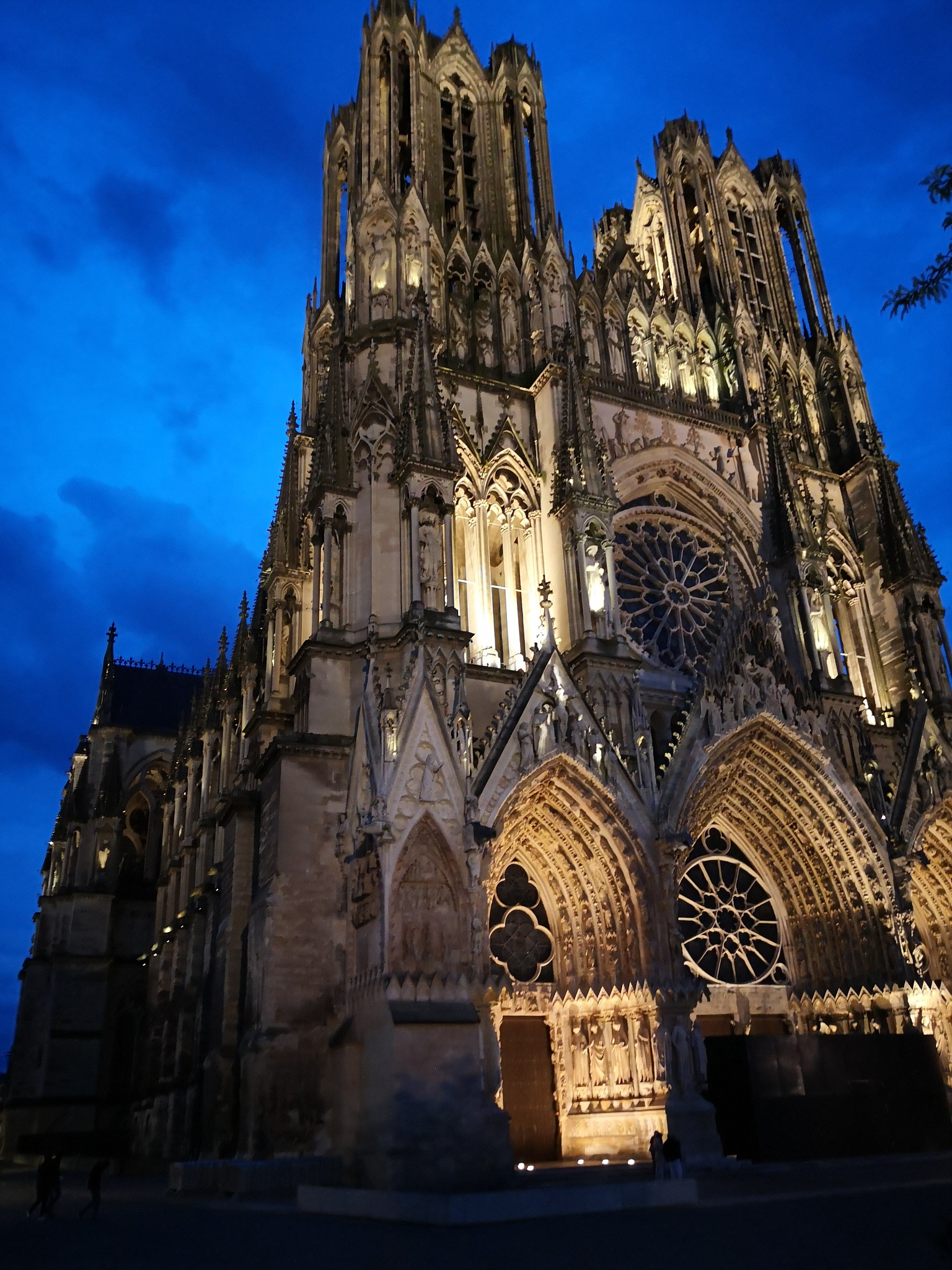 cathedral of Reims by Fencertographe