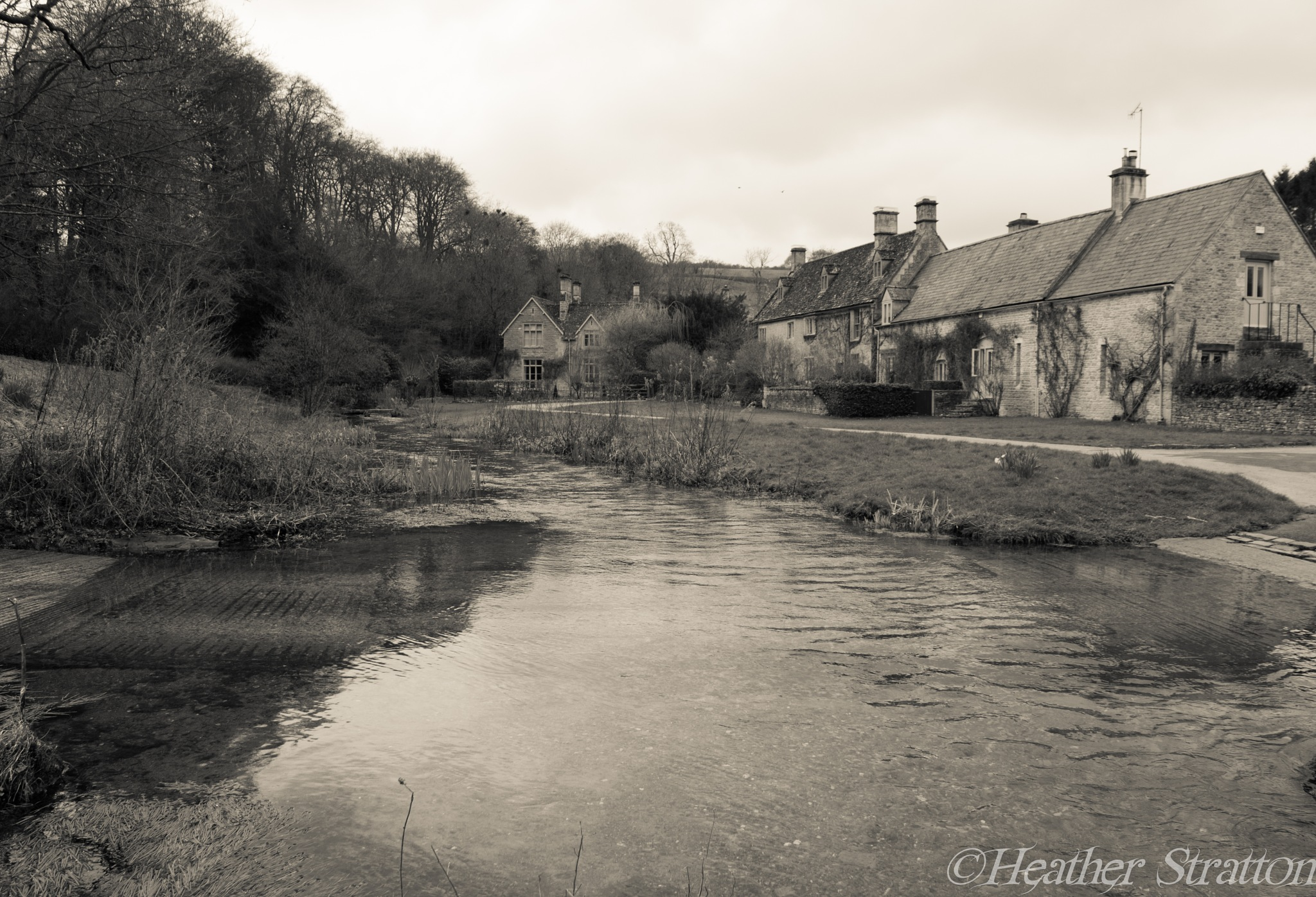 Upper Slaughter cottages and stream by Heather Stratton