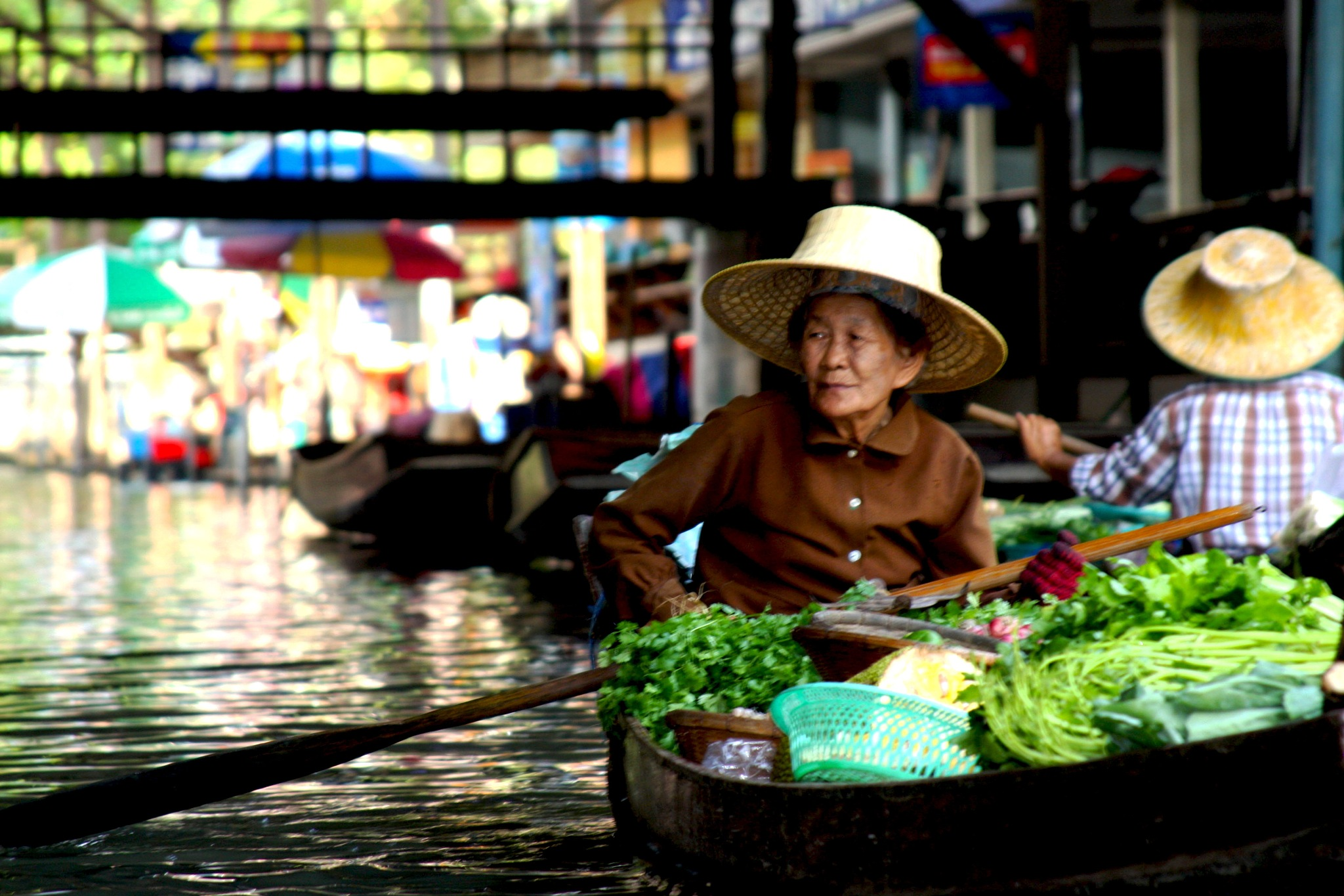 Damnoen Saduak Floating Market Thailand by Wendy Farrington