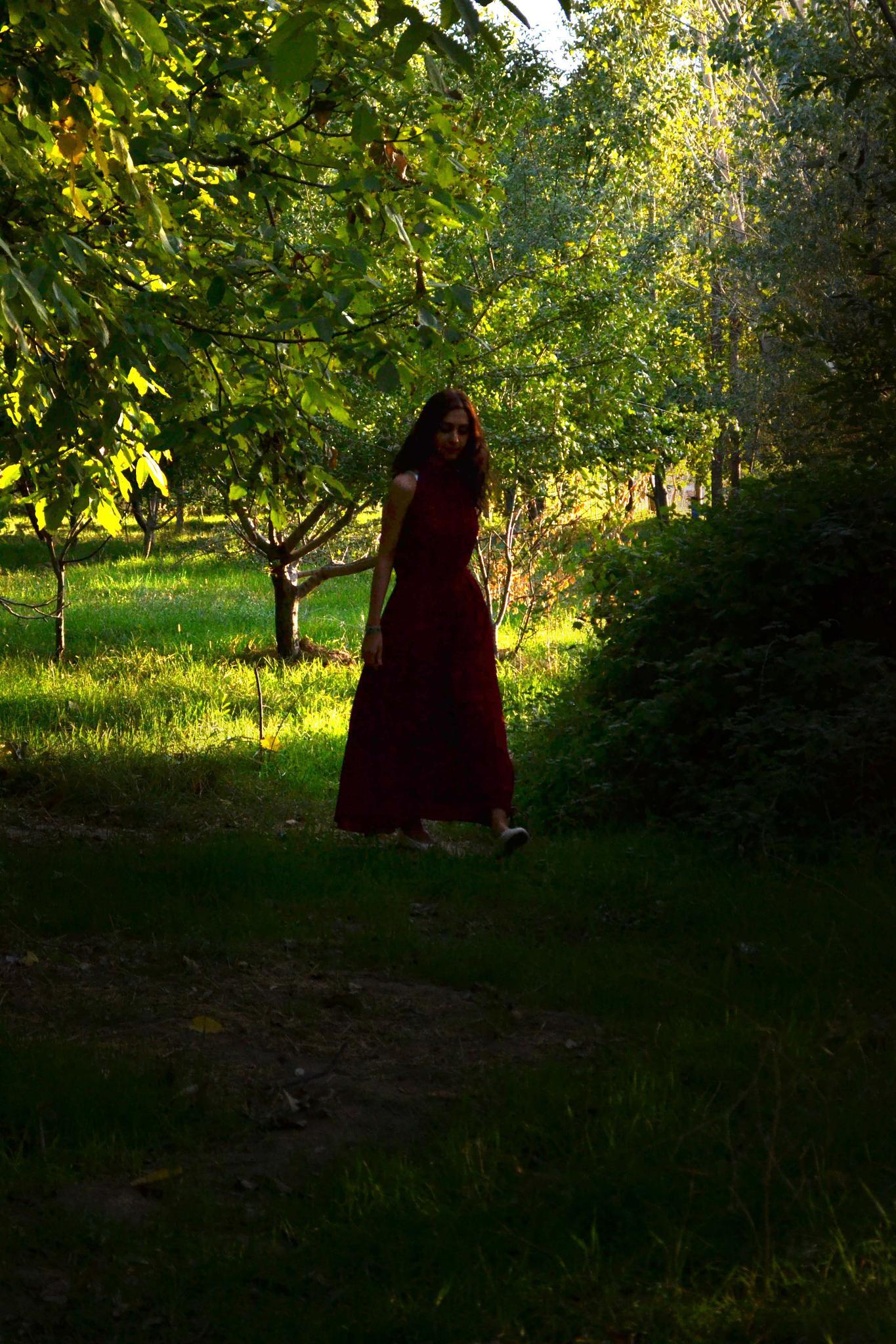 Jungle Girl  by adelehajtalebi