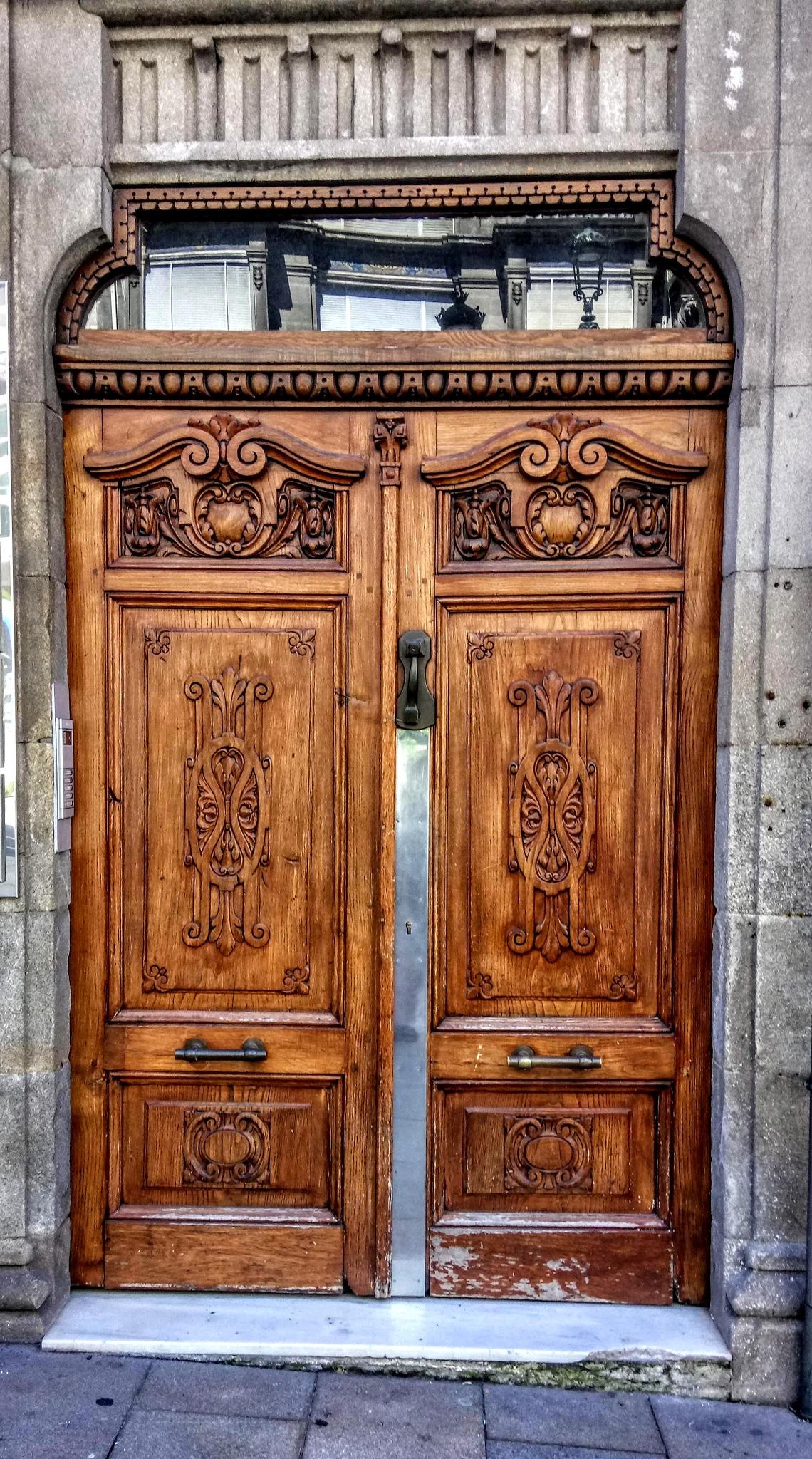 Portal de entrada.Vigo(Galicia)  by Pura