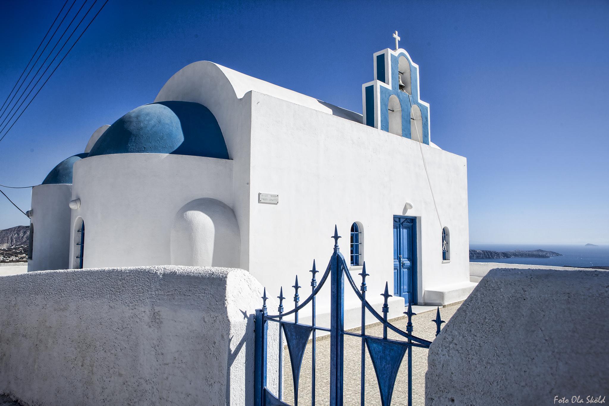 Chapel on the hill. by Ola Sköld