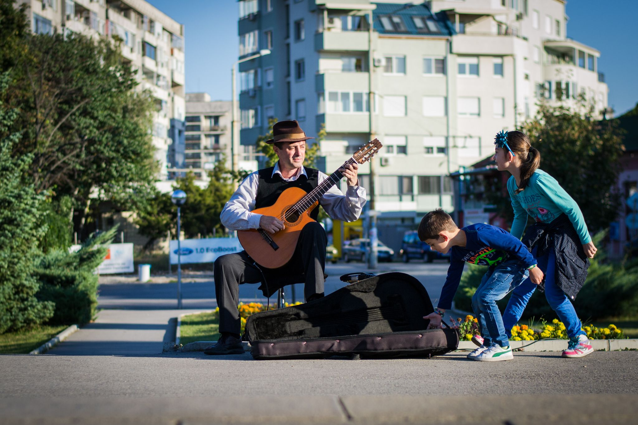 the guy with the guitar... by Milen Kolev