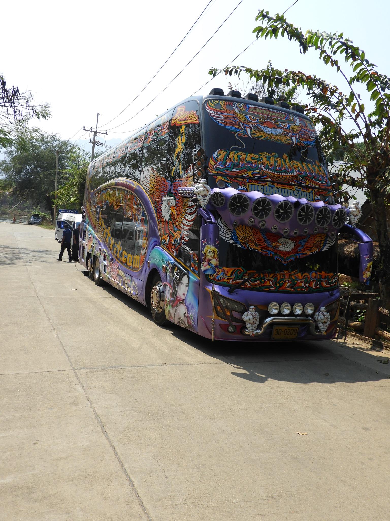 bus by Henny van Broekhoven