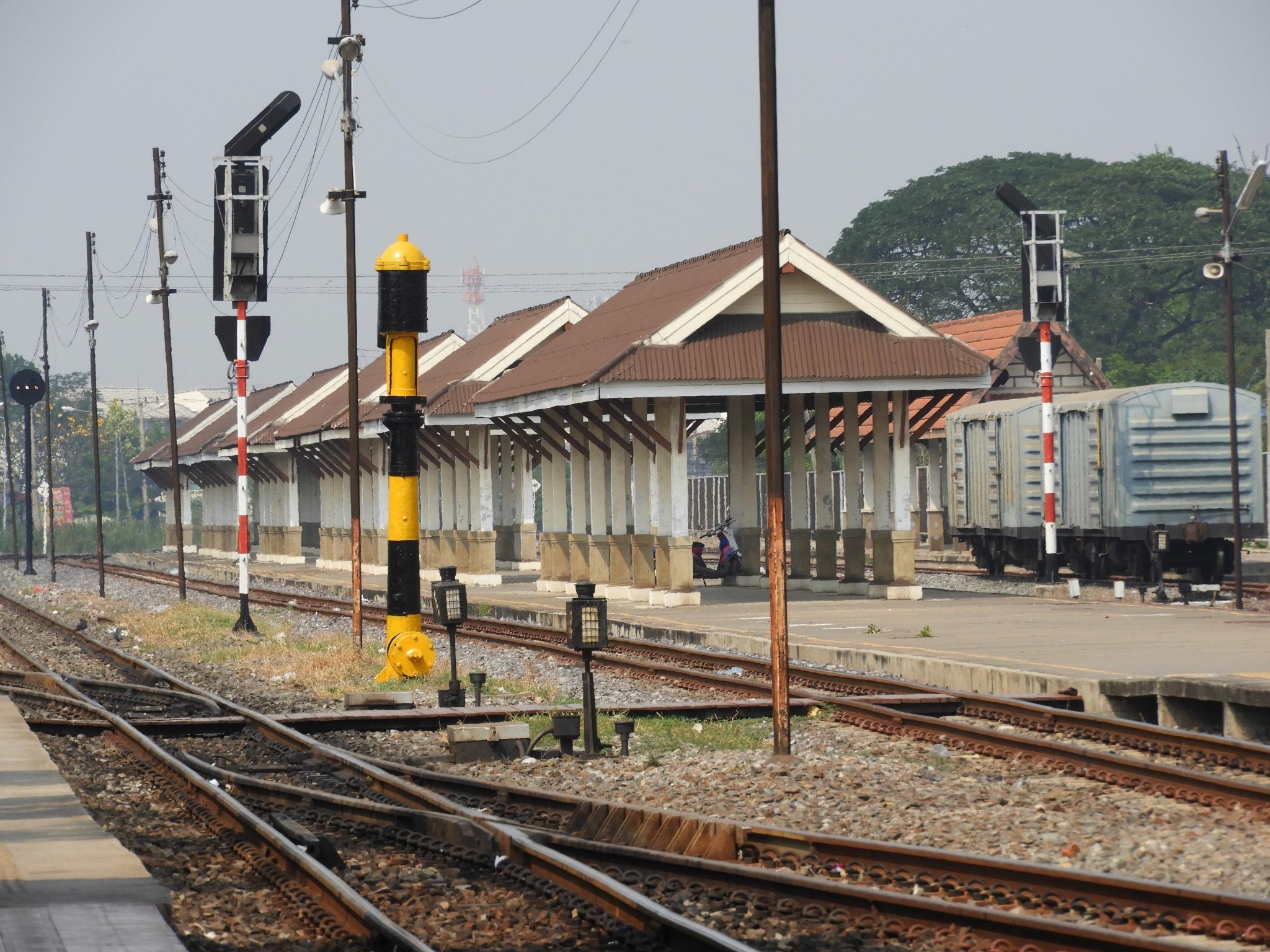 station by Henny van Broekhoven