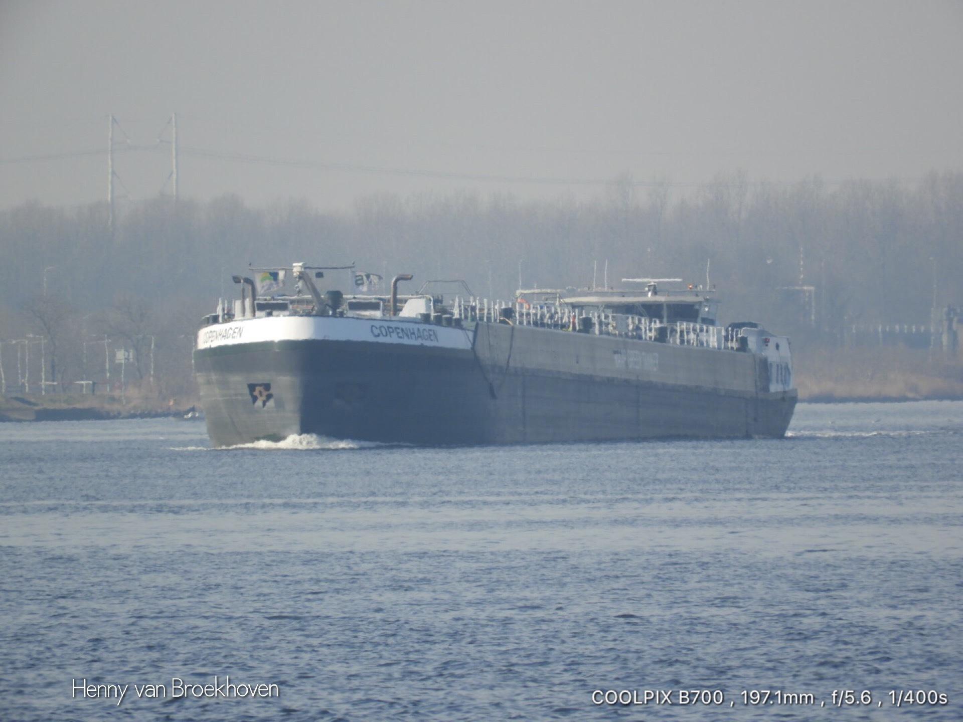 Little ship  by Henny van Broekhoven