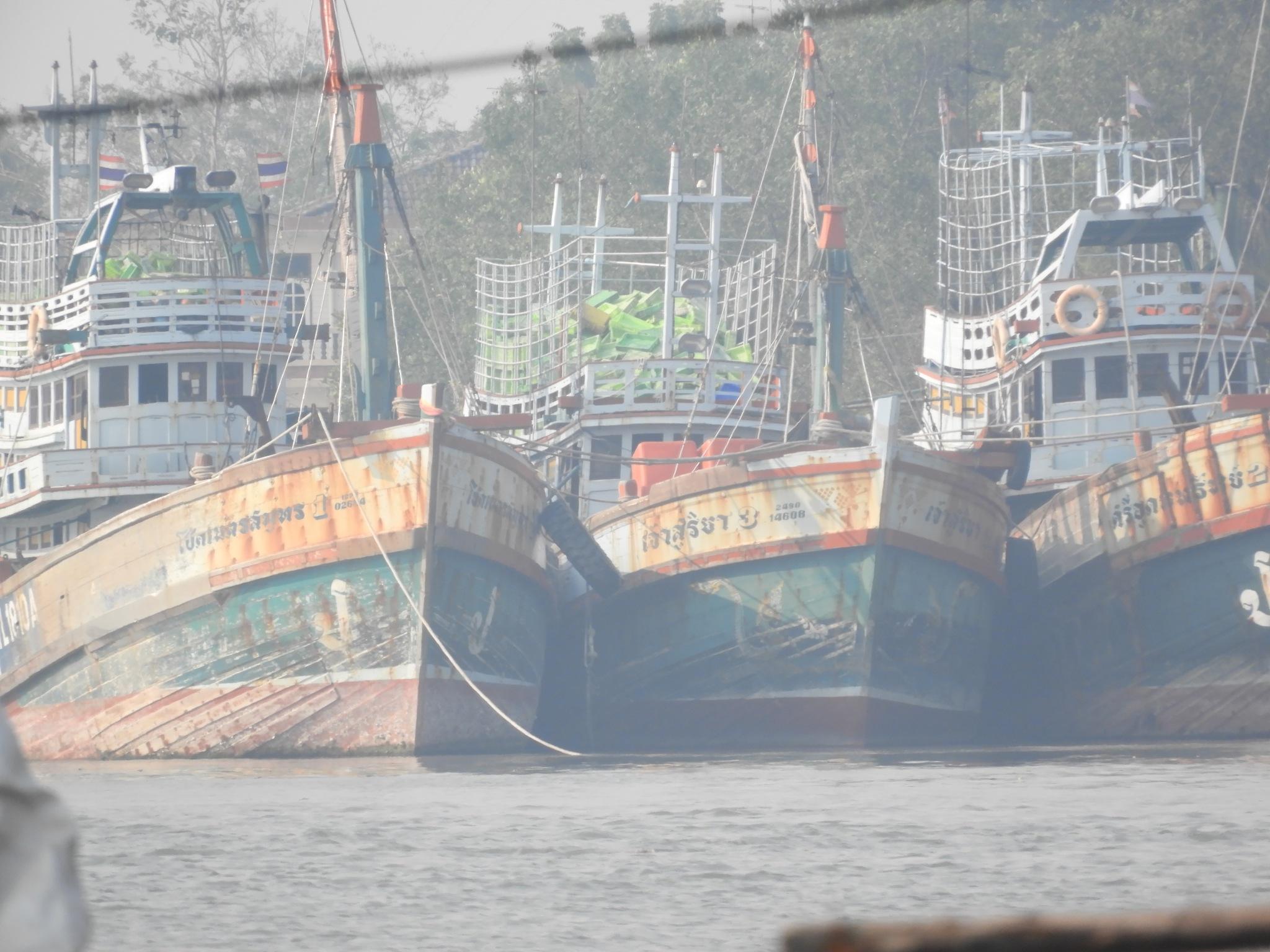 ships by Henny van Broekhoven
