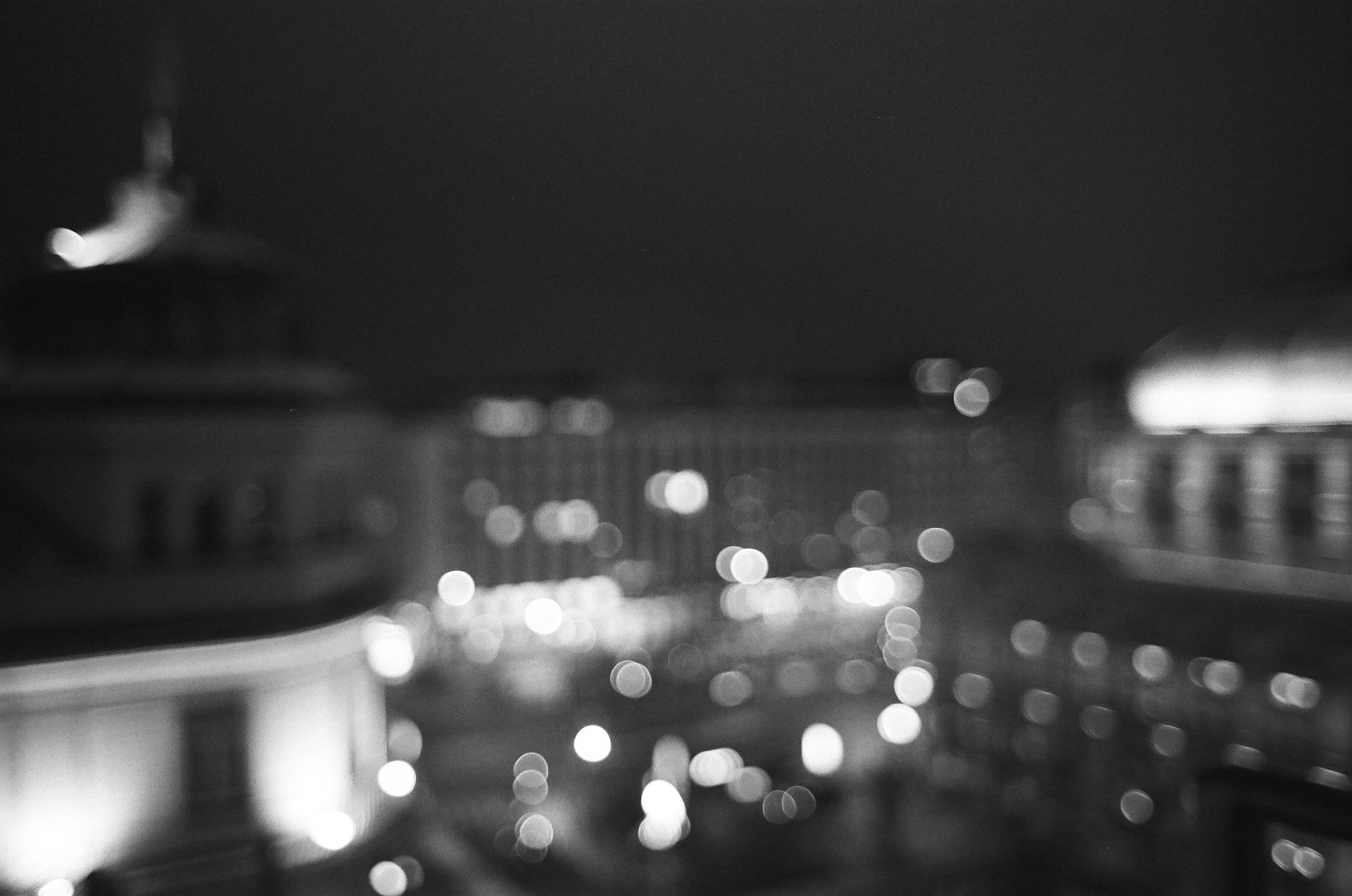 Blurry Lights by Georg Prenn