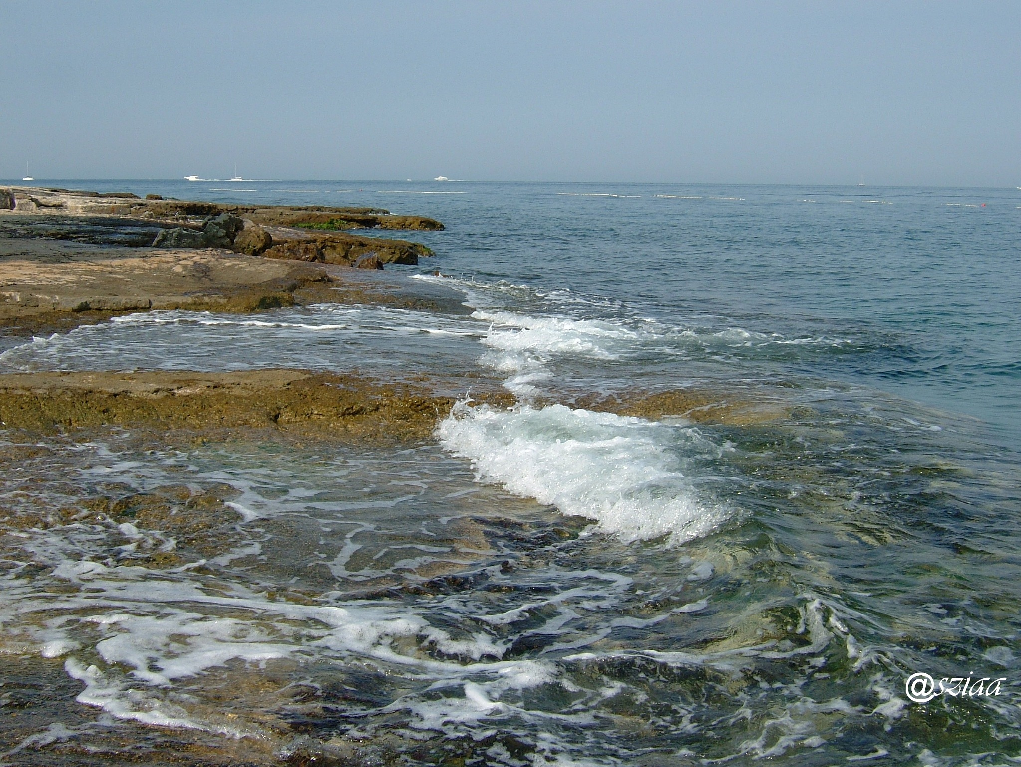Sea by sziaa