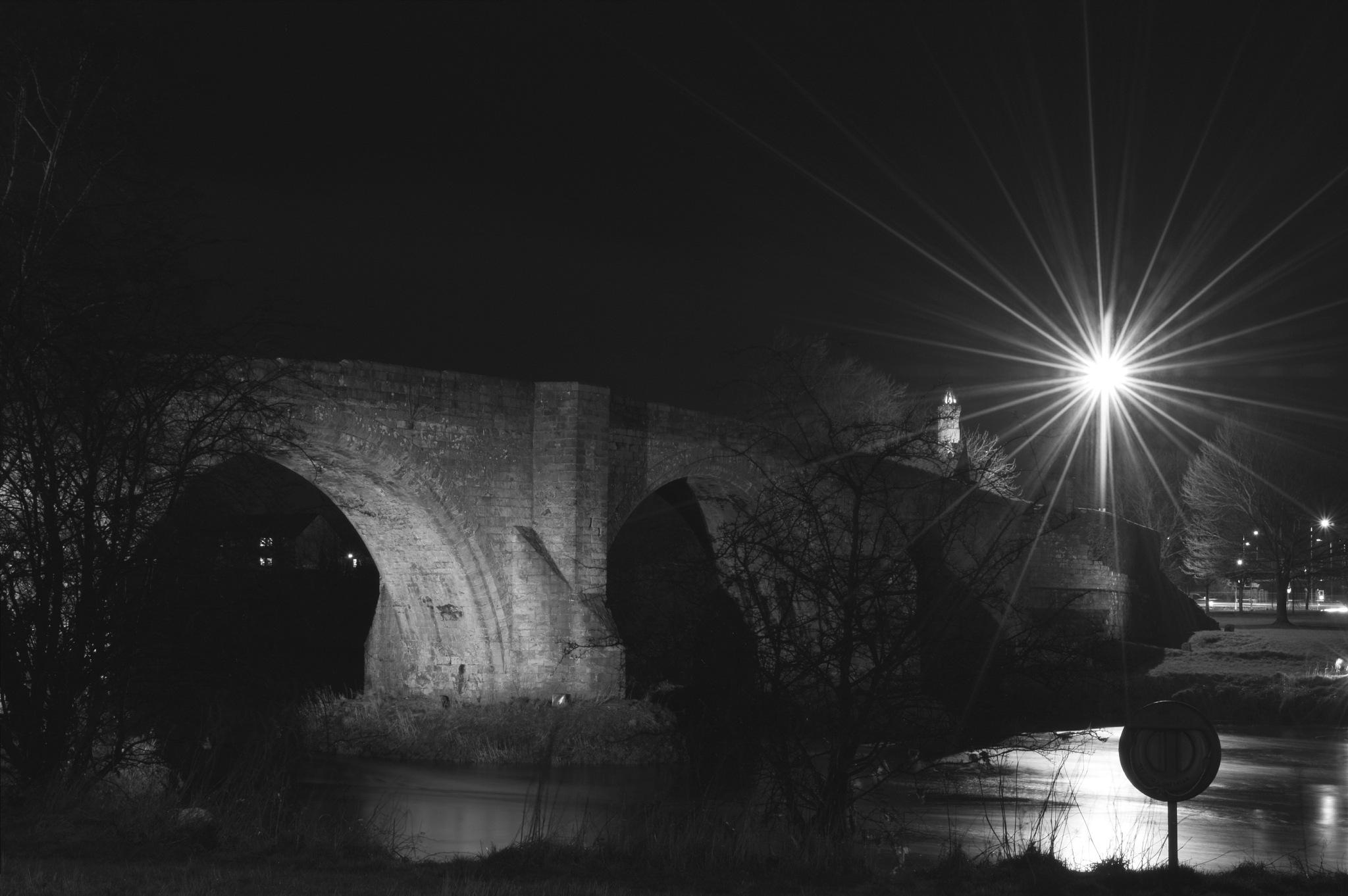 Wallaces Monument Stirling Bridge by Niknak