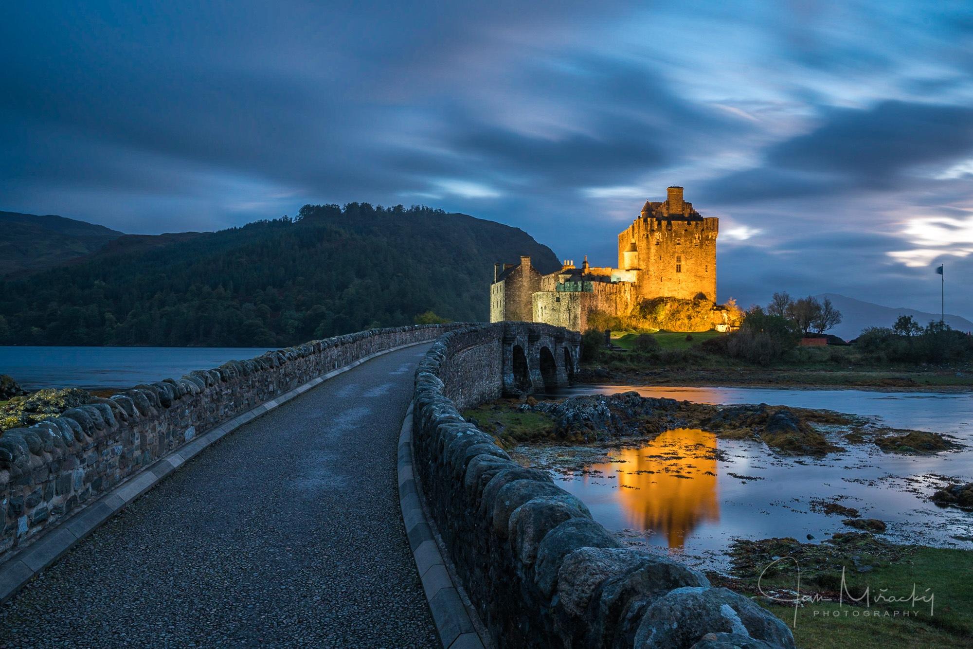 Eilean Donan Castle by Jan Miřacký