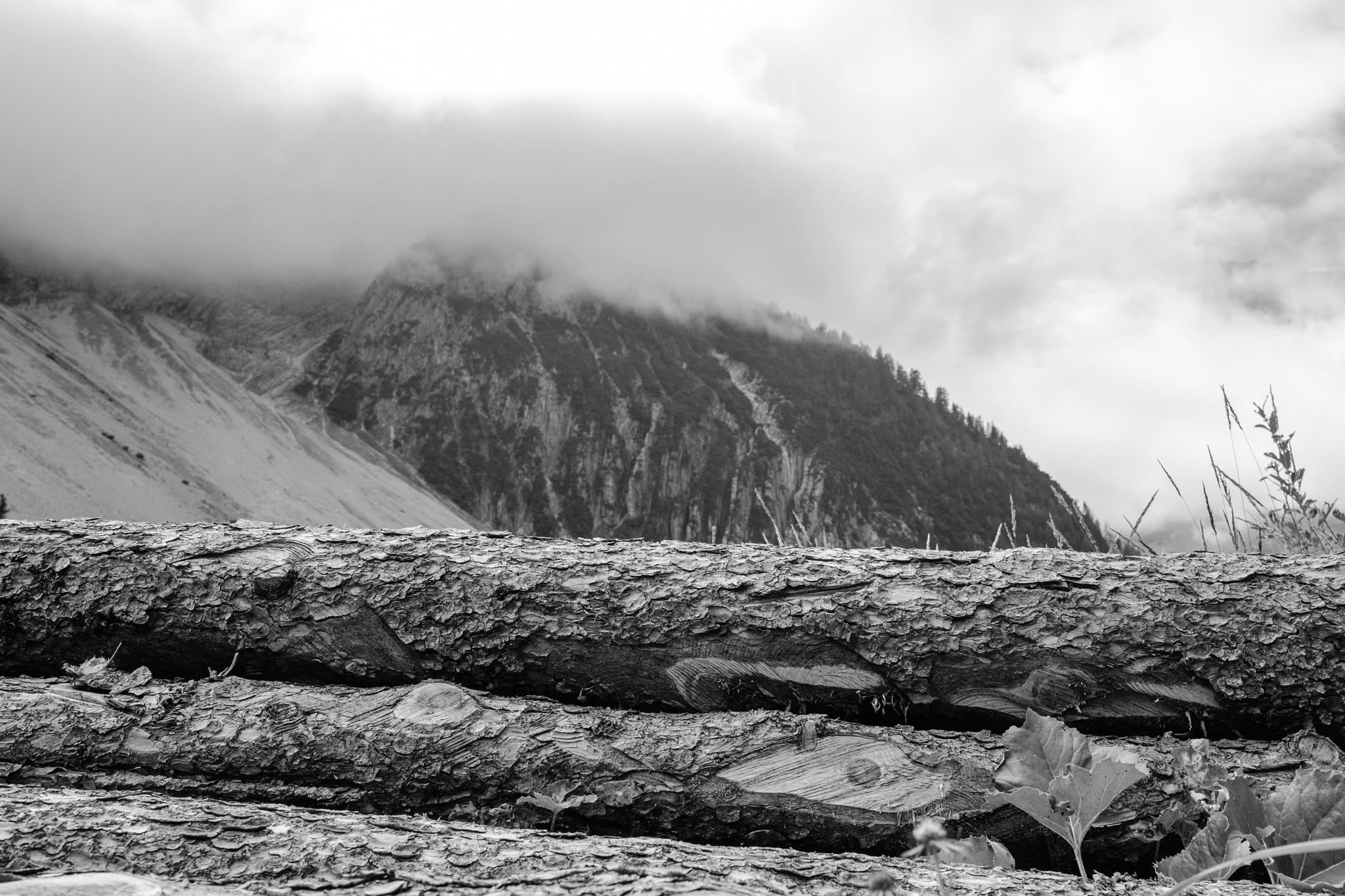 Misty mountains by Henk Spijkerman