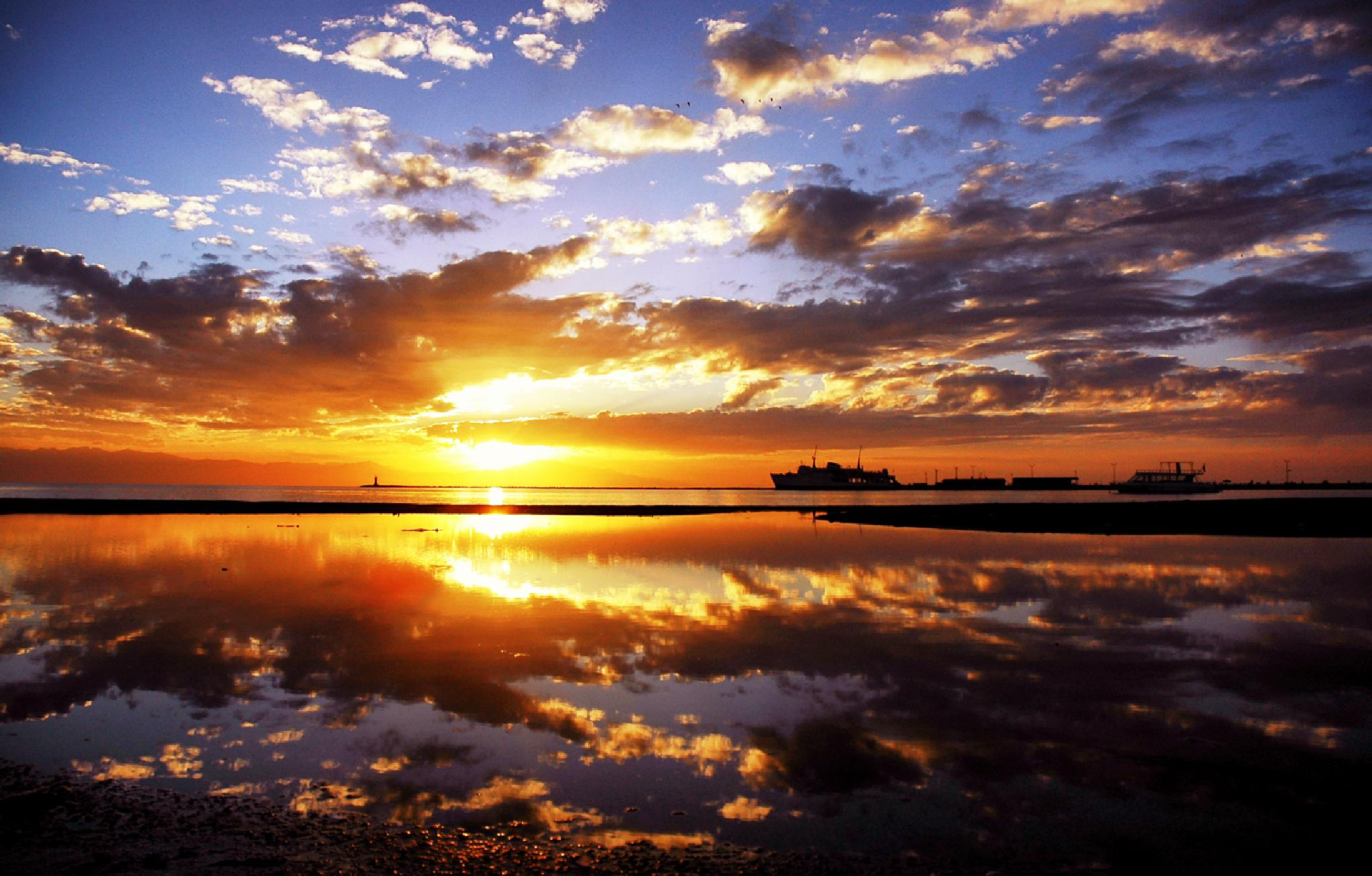 the world best sunset by Abdurrahman Aksoy