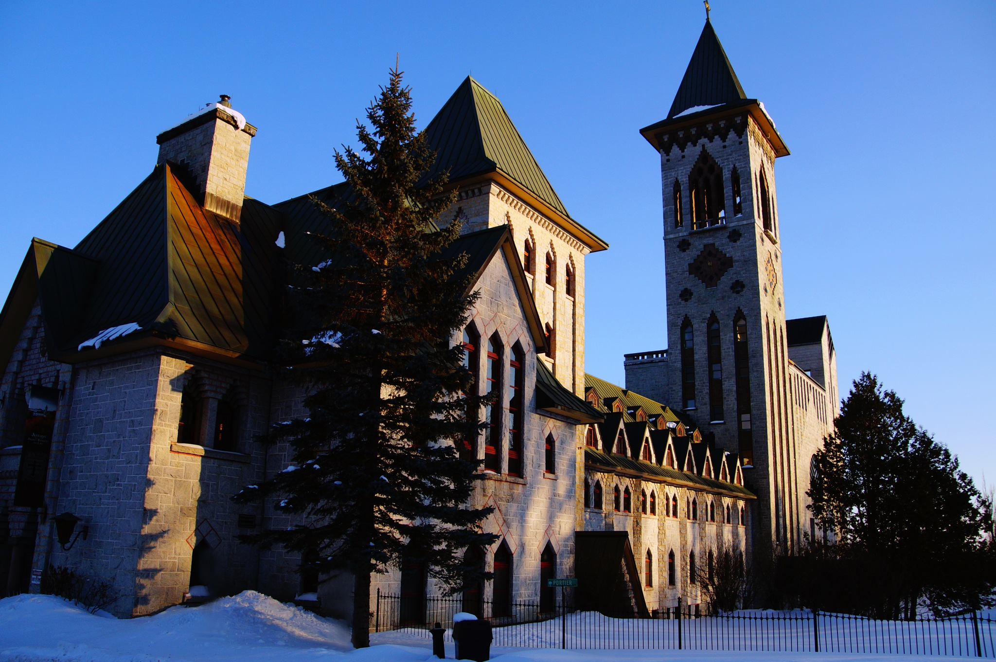 Abbaye by claire lafontaine