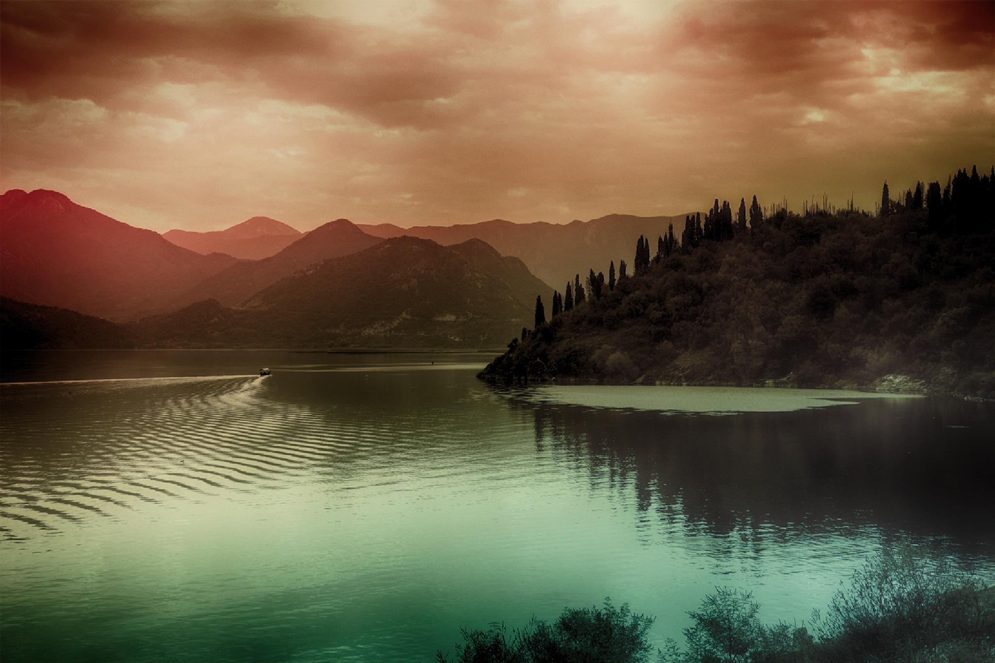 Mountains and drive by Hakan Leblebicioglu