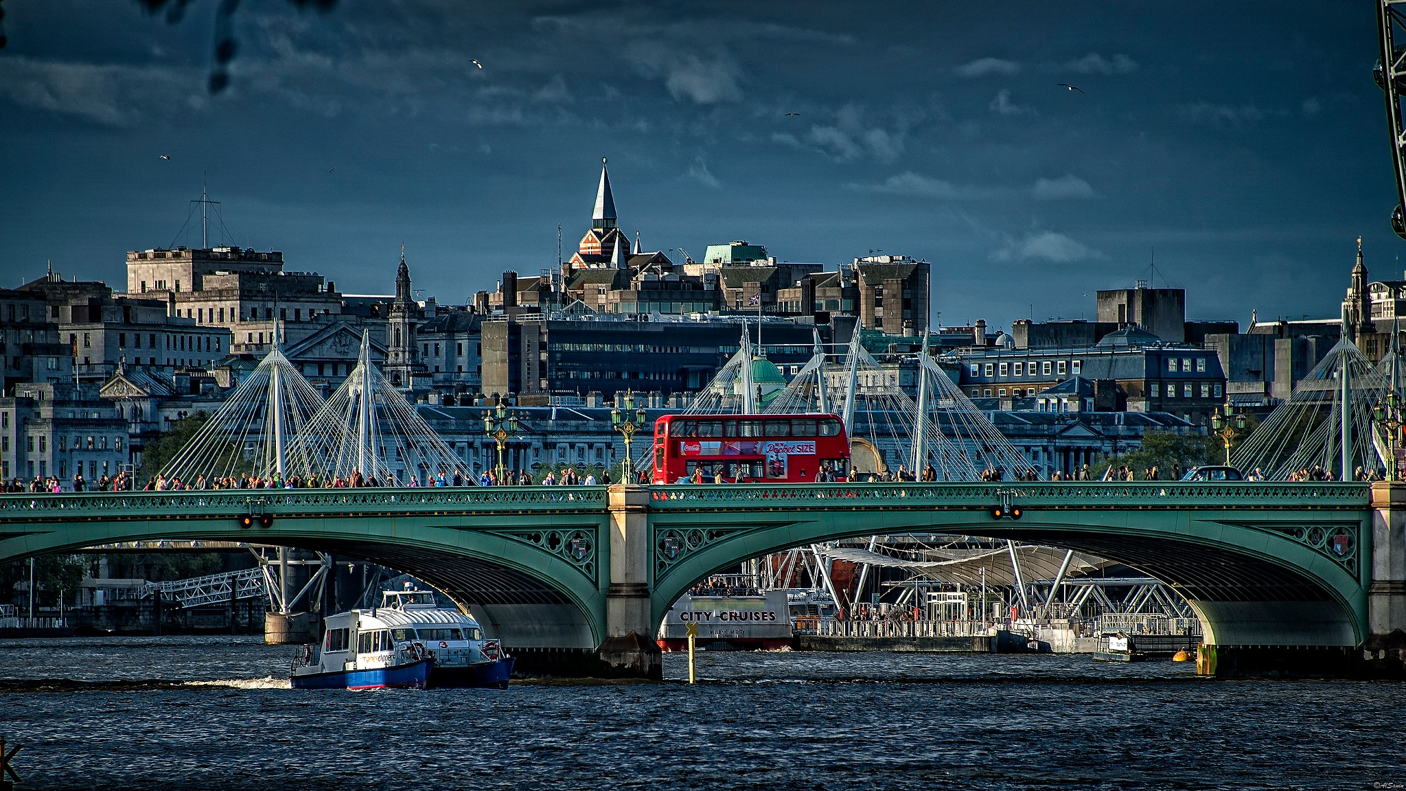 Evening light on the river Thames ... London by Al (Alexander)