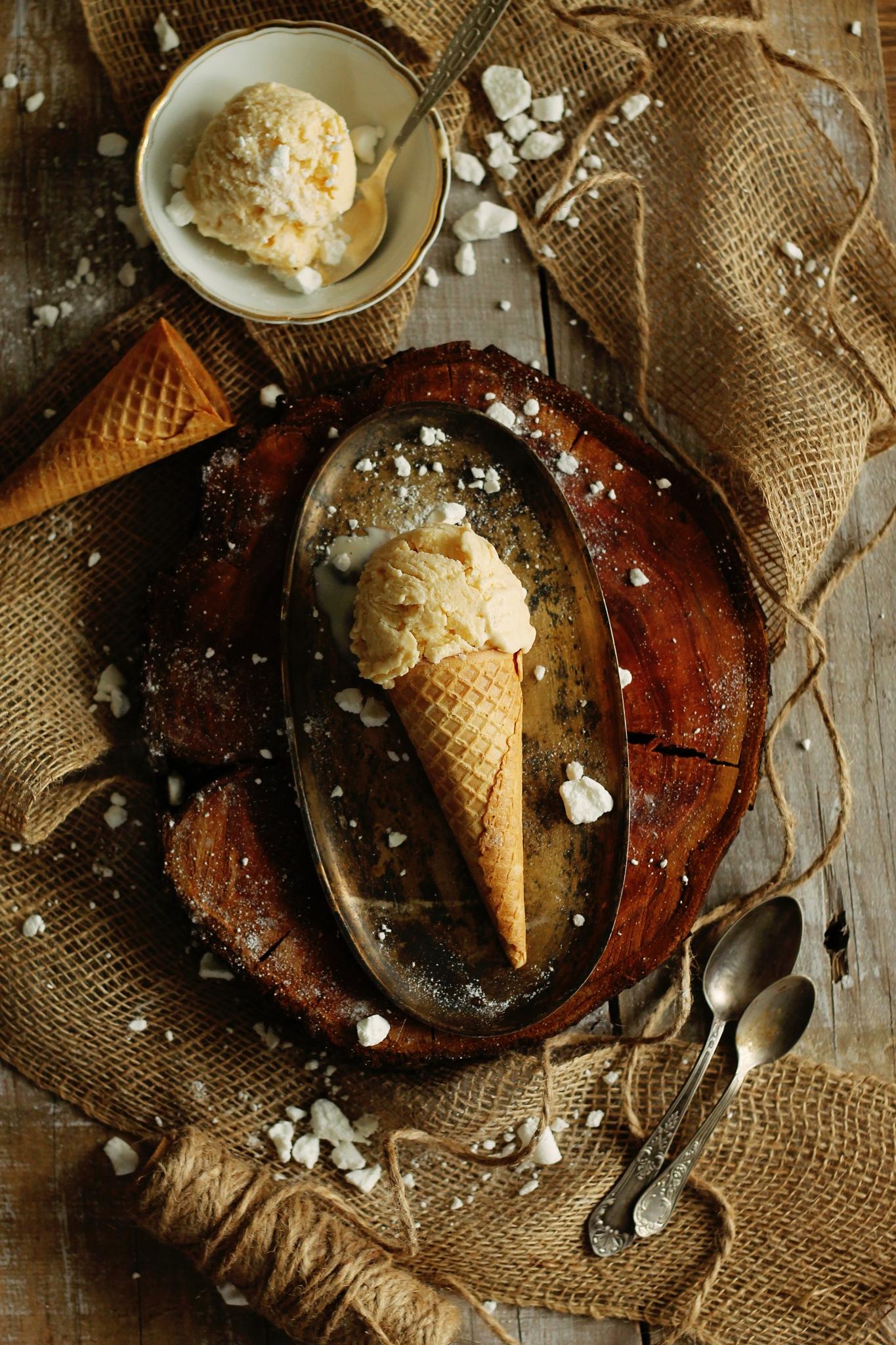 Brown butter ice cream by Zaneta Hajnowska