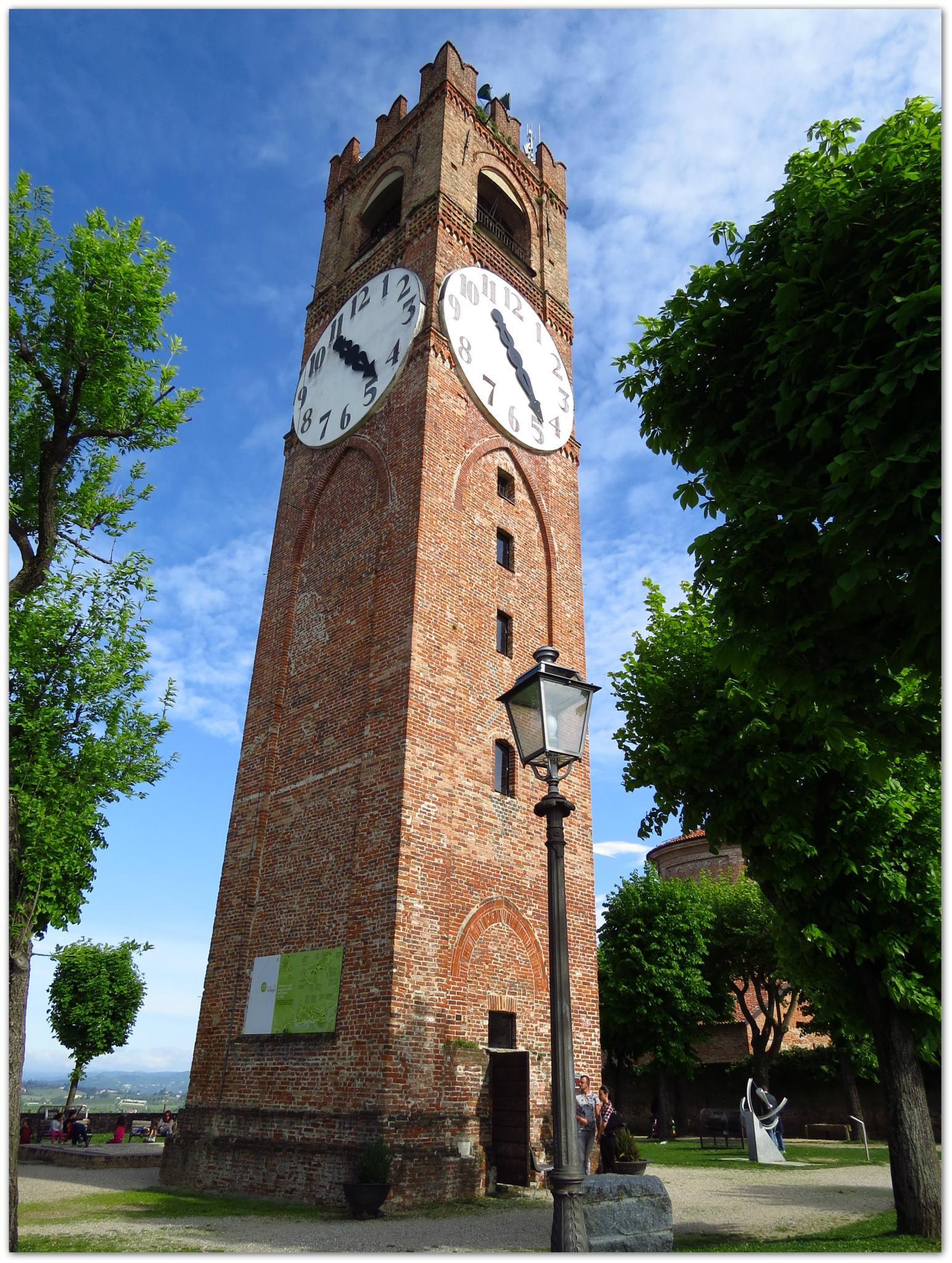 Mondovì - Torre dell'orologio by Antonella