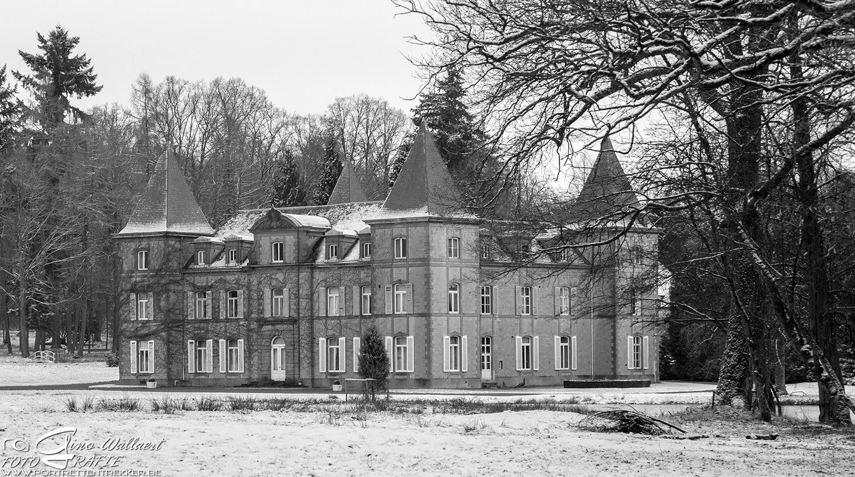 Winter castle by Gino Wallaert