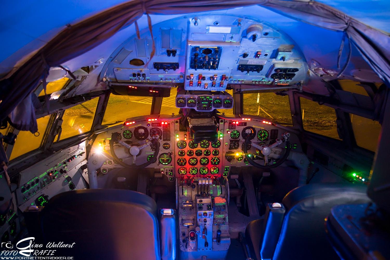 Ilyushin IL-18V cockpit (foto 2 ) by Gino Wallaert