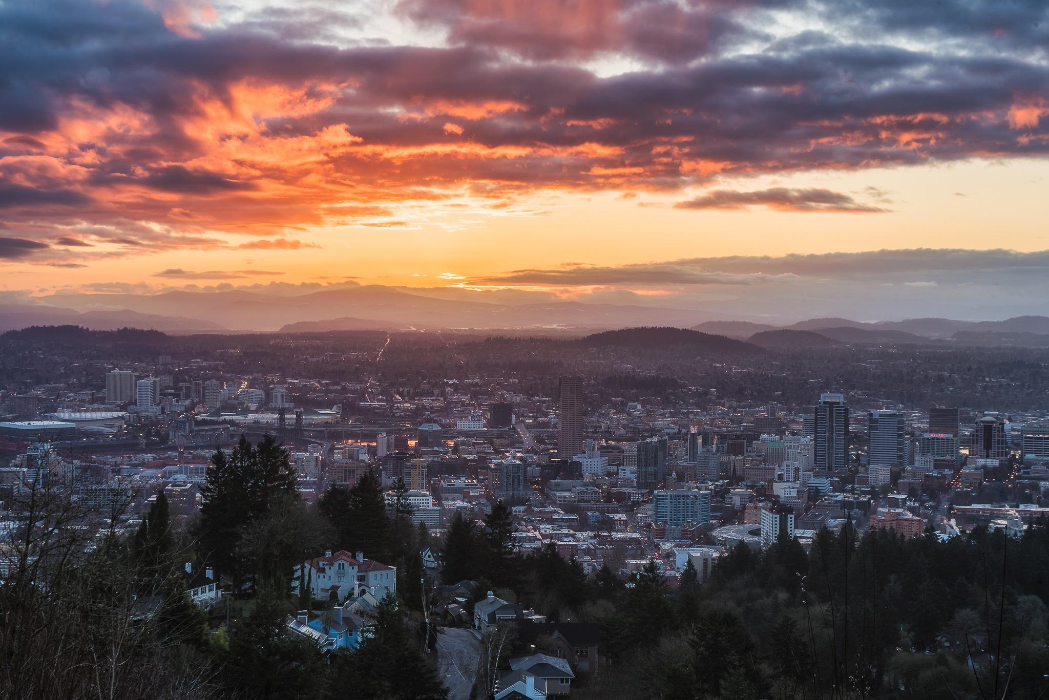 Portland sunrise  by Tzvika Stein