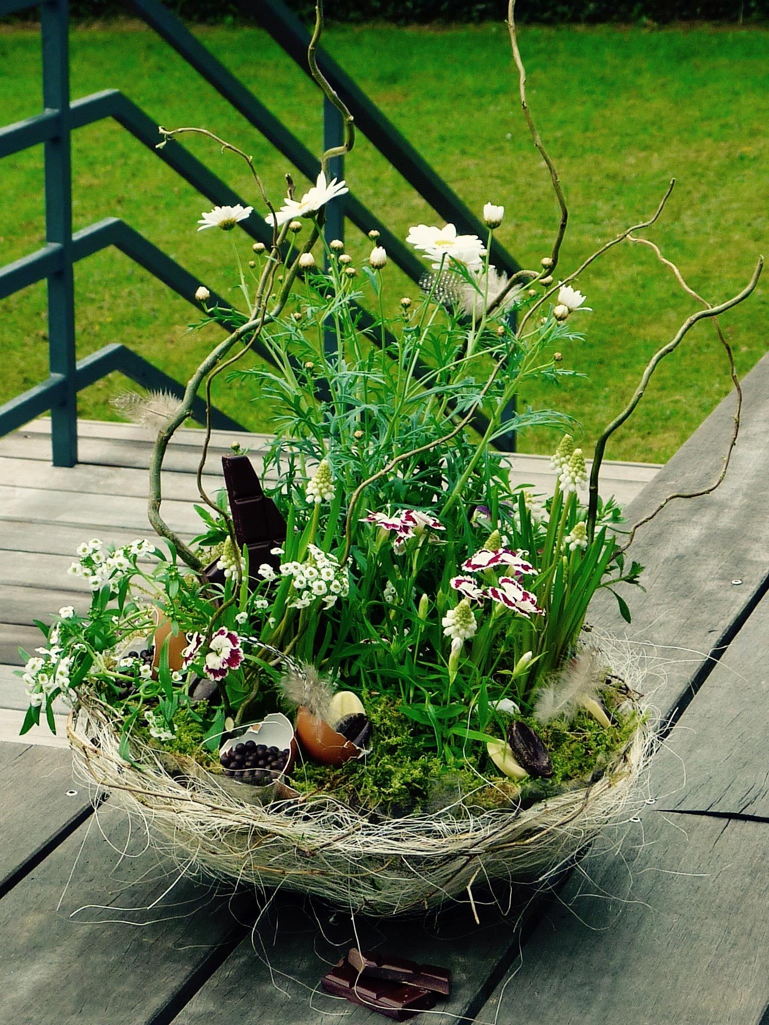 Fleurs de Pâques  by Esther