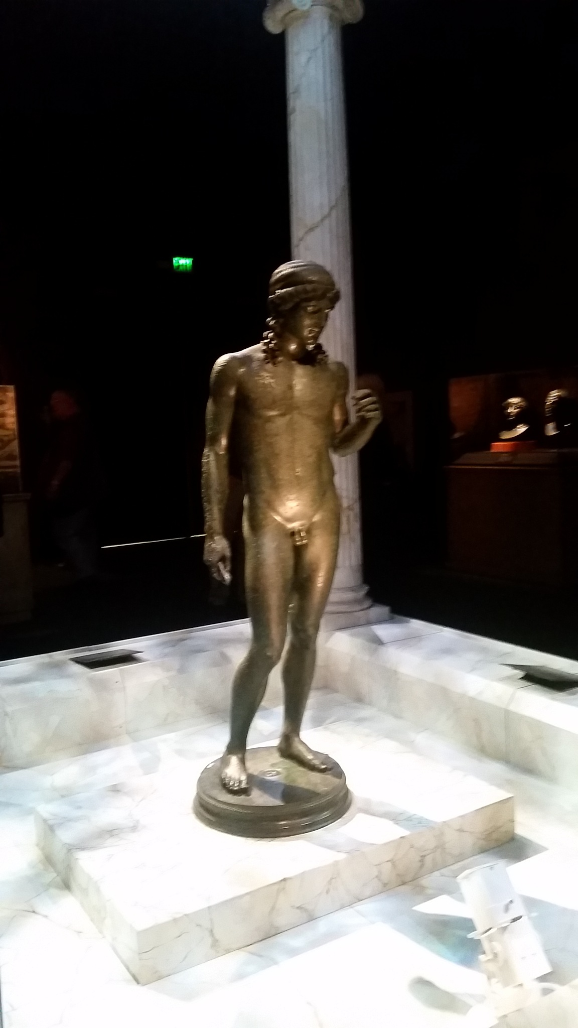 Statue from 79 ad Pompeii exhibit by B56