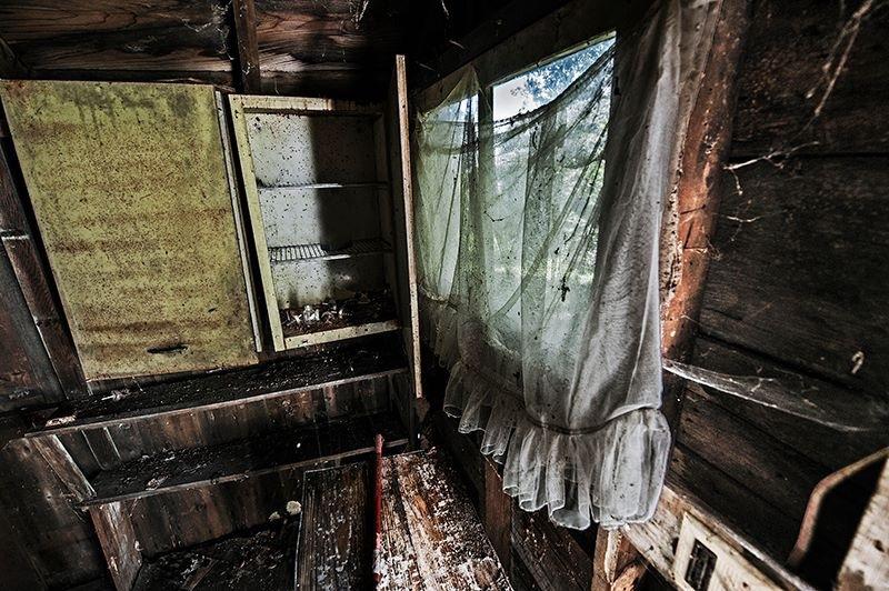 Very sad but still kind of creepy Beautiful - Abandoned Farm House in Ohio by Walter Novak