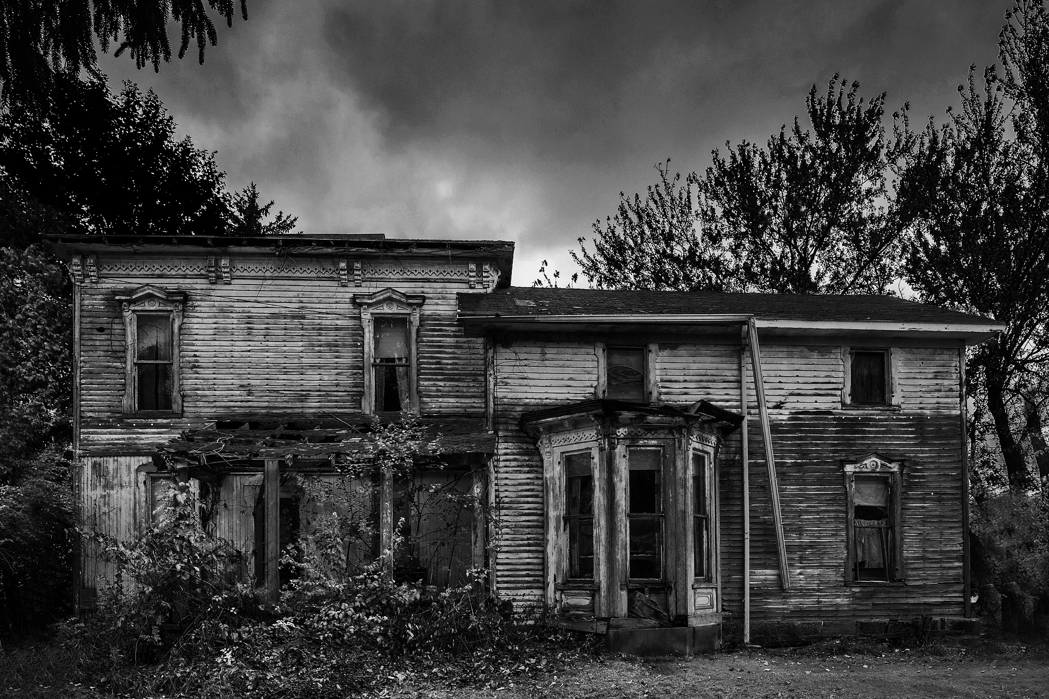 Hallowed Abandoned House in Northern Ohio by Walter Novak