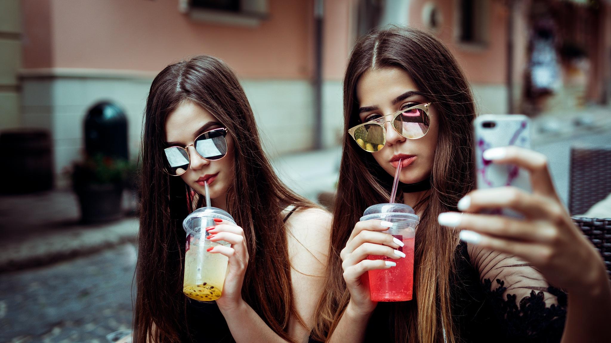 Two instagram girl by Elijah