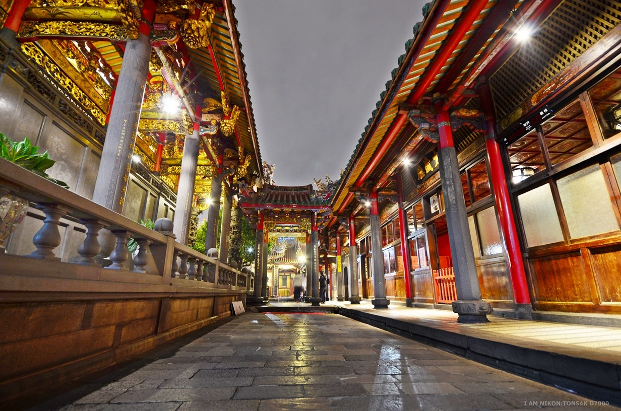 TAMPLE'S WAY by tonsak