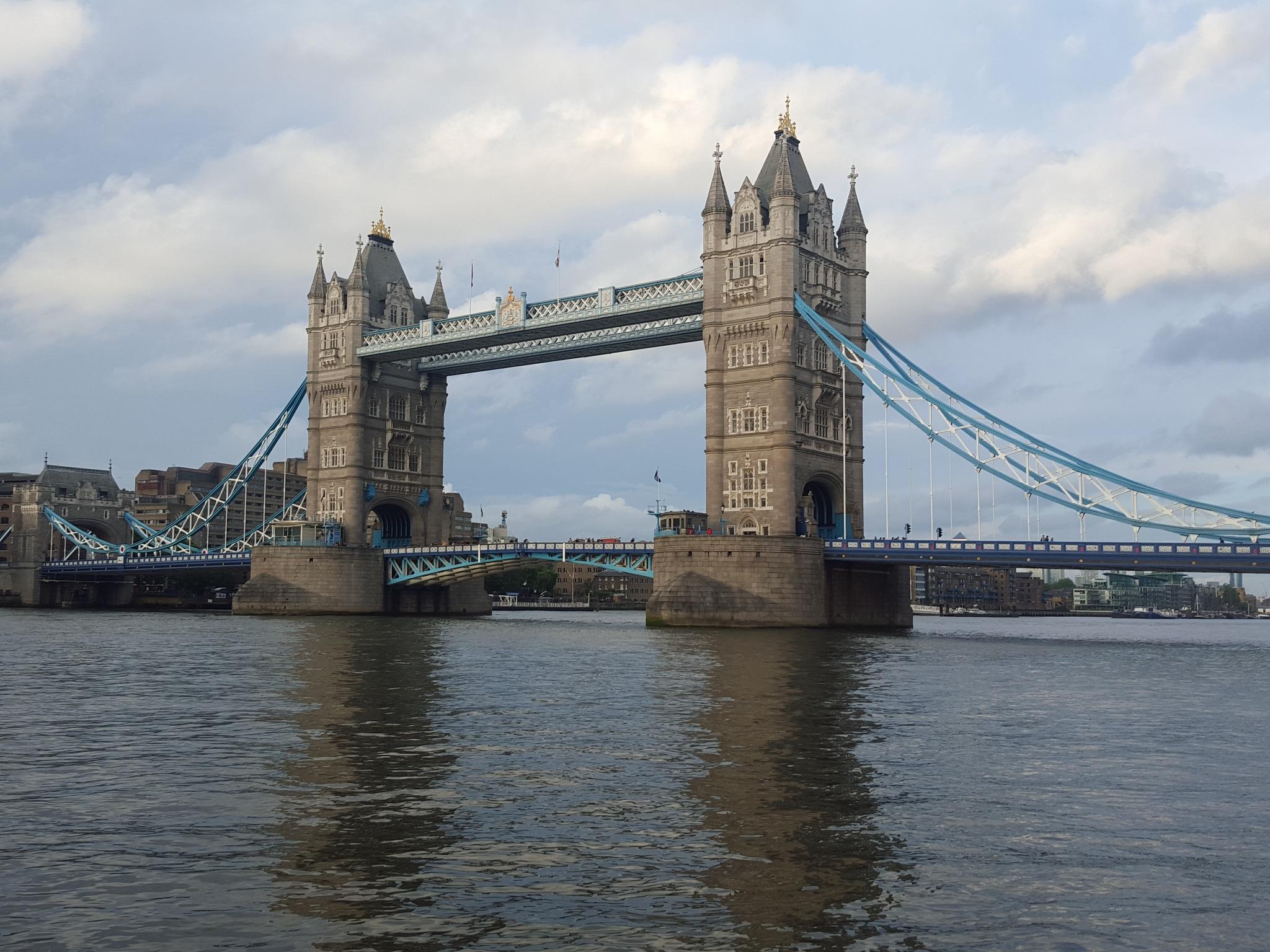Tower Bridge, London by Syiqah A.