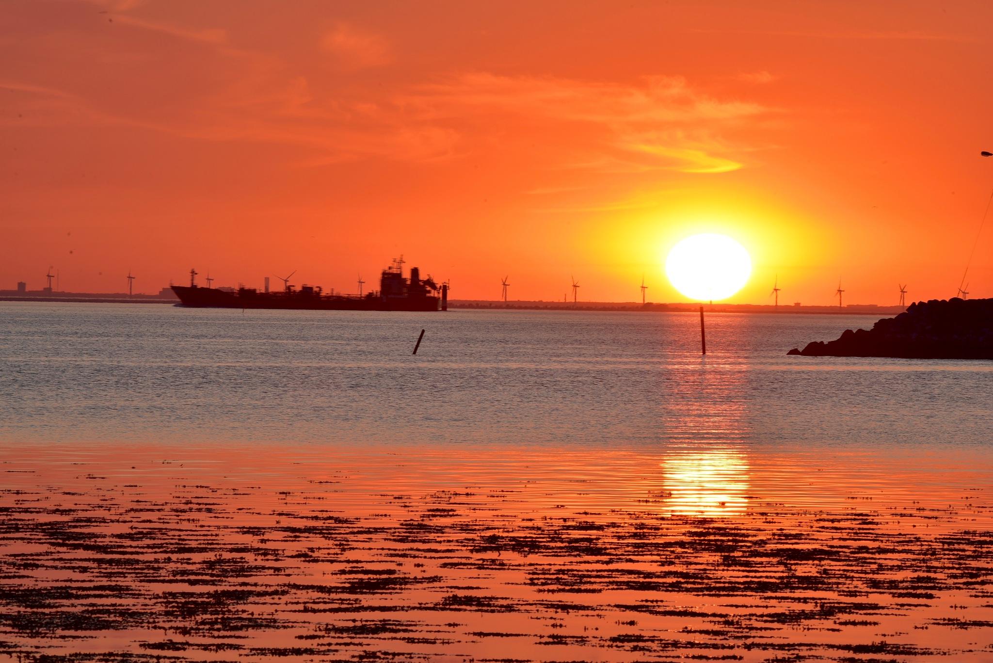 Sunset 100! by Memed Bayatli