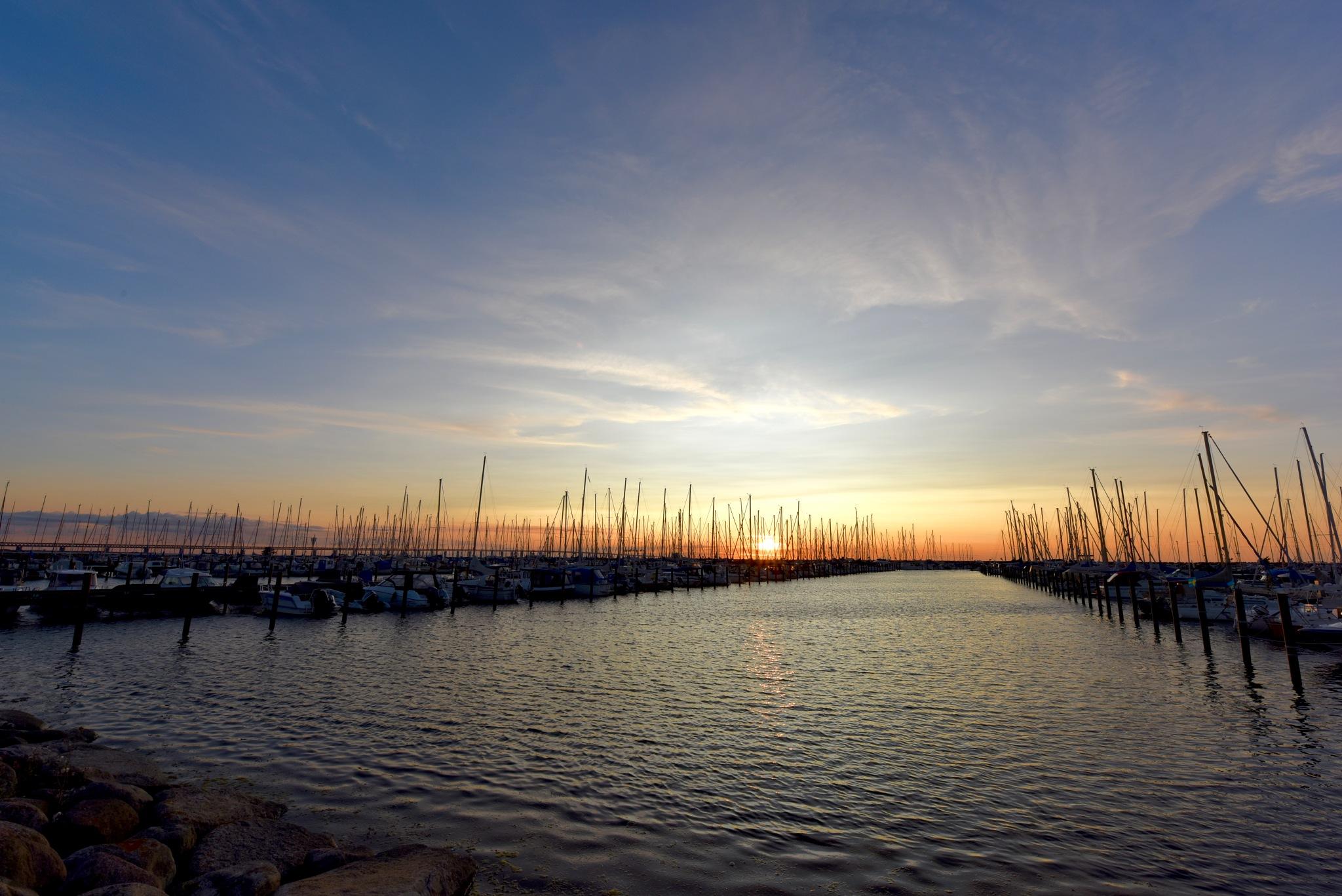 Sunset Malmö! by Memed Bayatli
