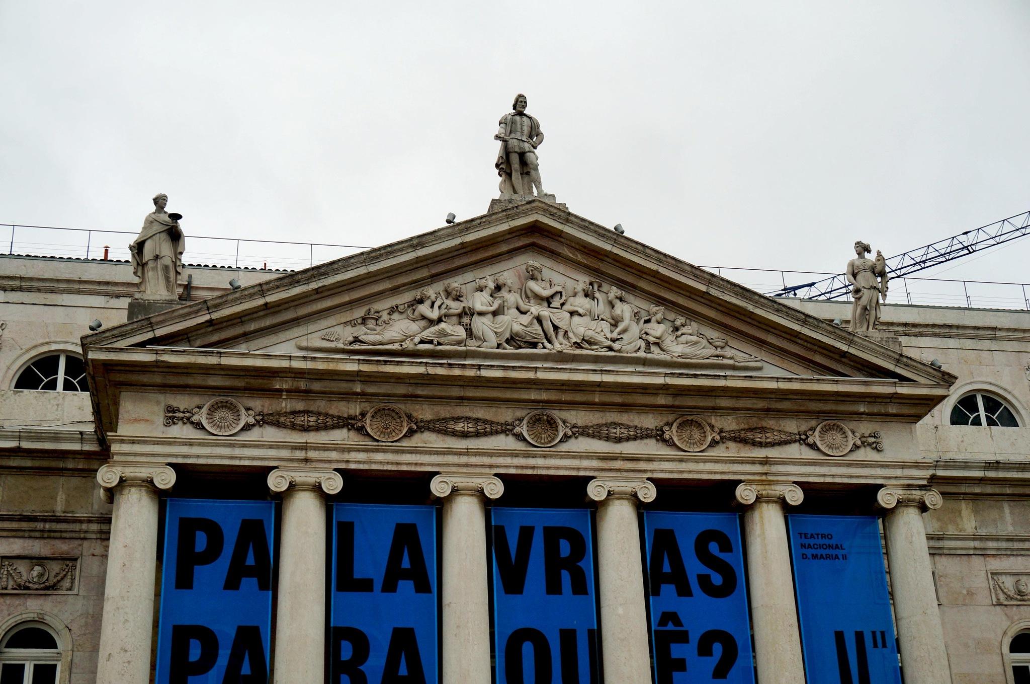Teatro Nacional D. Maria II by elainedearaujo