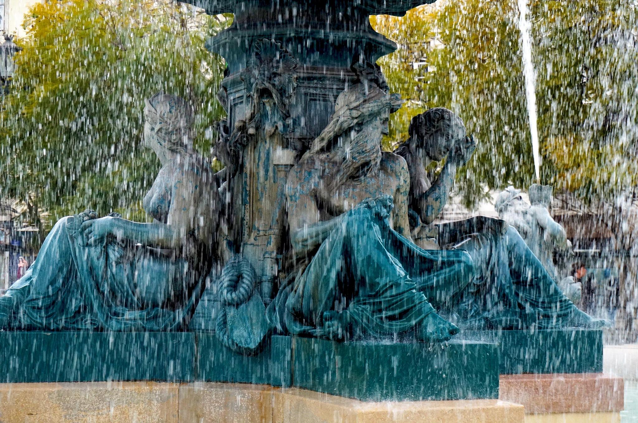 Fountain in Rossio Square by elainedearaujo