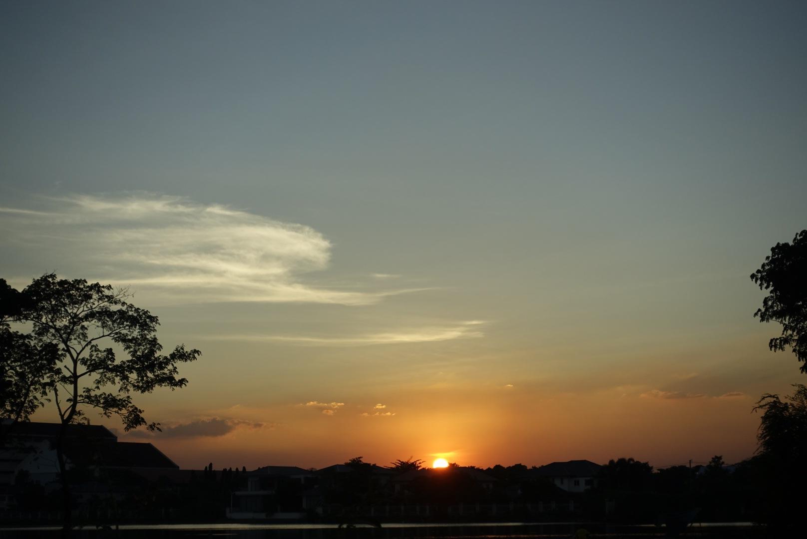 Sunrise  by SolomonEz